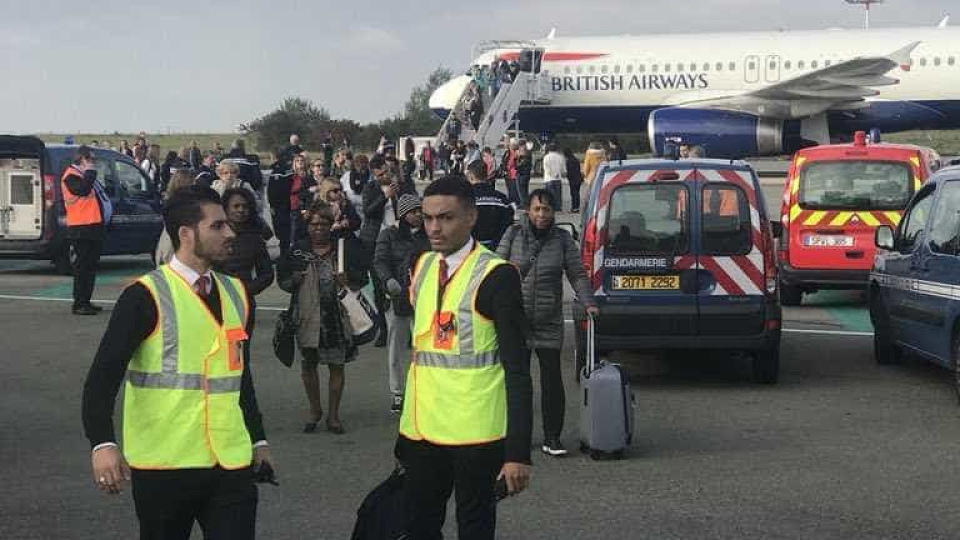 """Avião da British Airways retido em Paris por """"ameaça à sua segurança"""""""