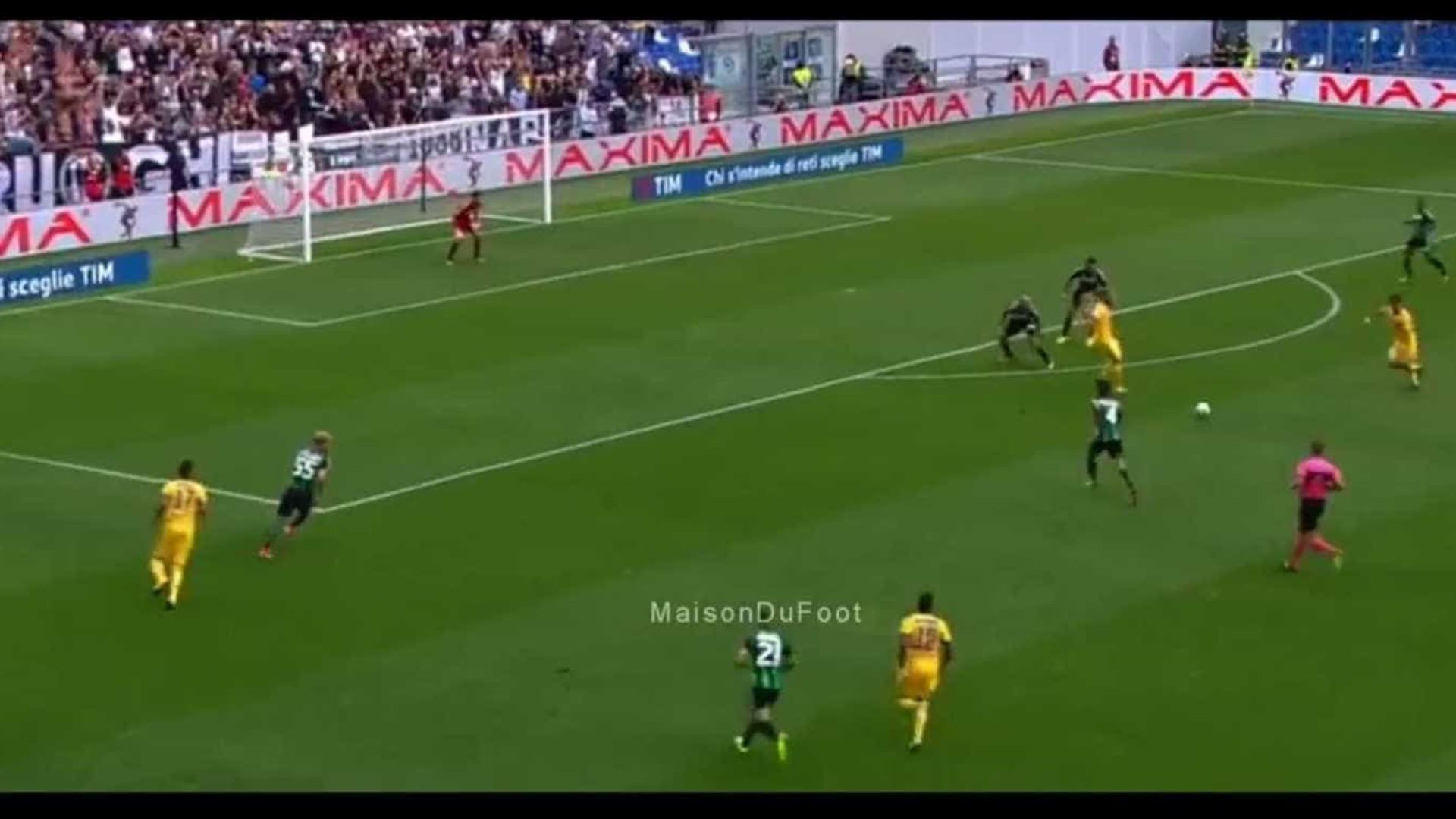 Dybala apresenta-se frenético em campo e faz um... hat-trick