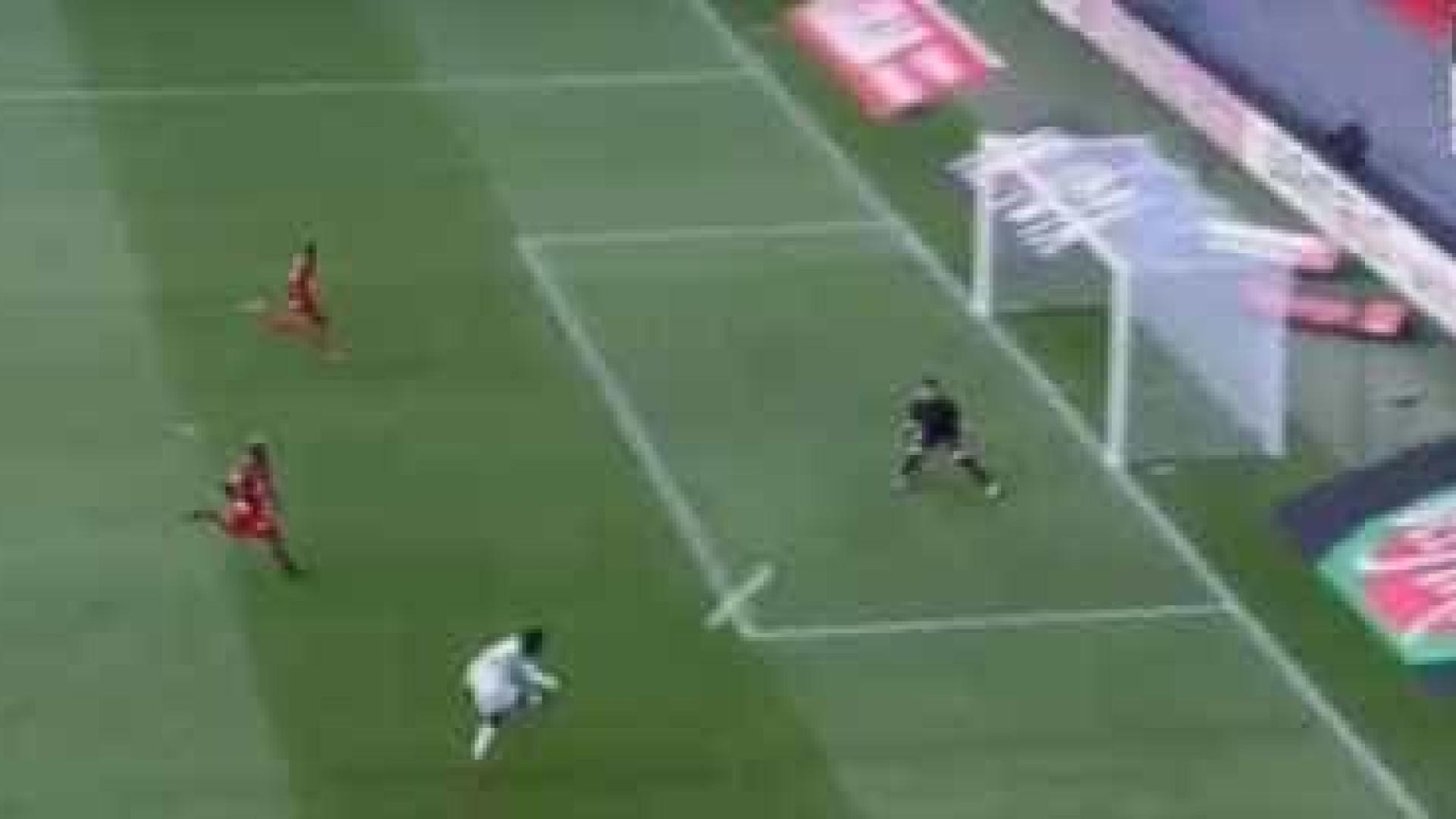 Balotelli marca golaço e garante vitória do Nice no terreno do Rennes