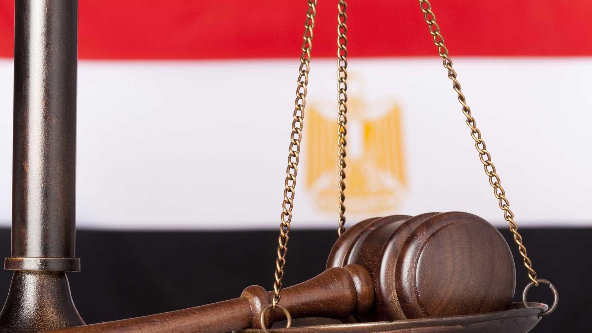 Justiça egípcia condena à morte 17 pessoas por ataques a igrejas