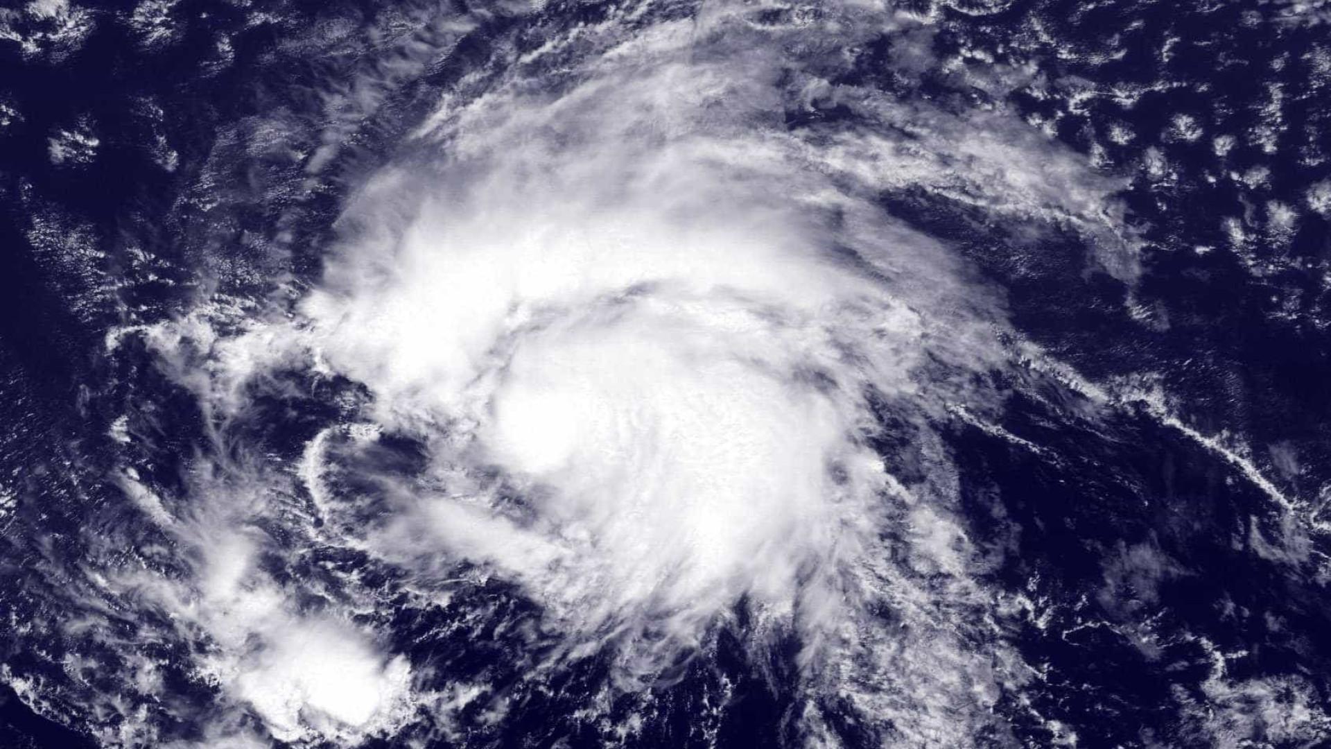 Furacão Ophelia continua a aproximar-se dos Açores