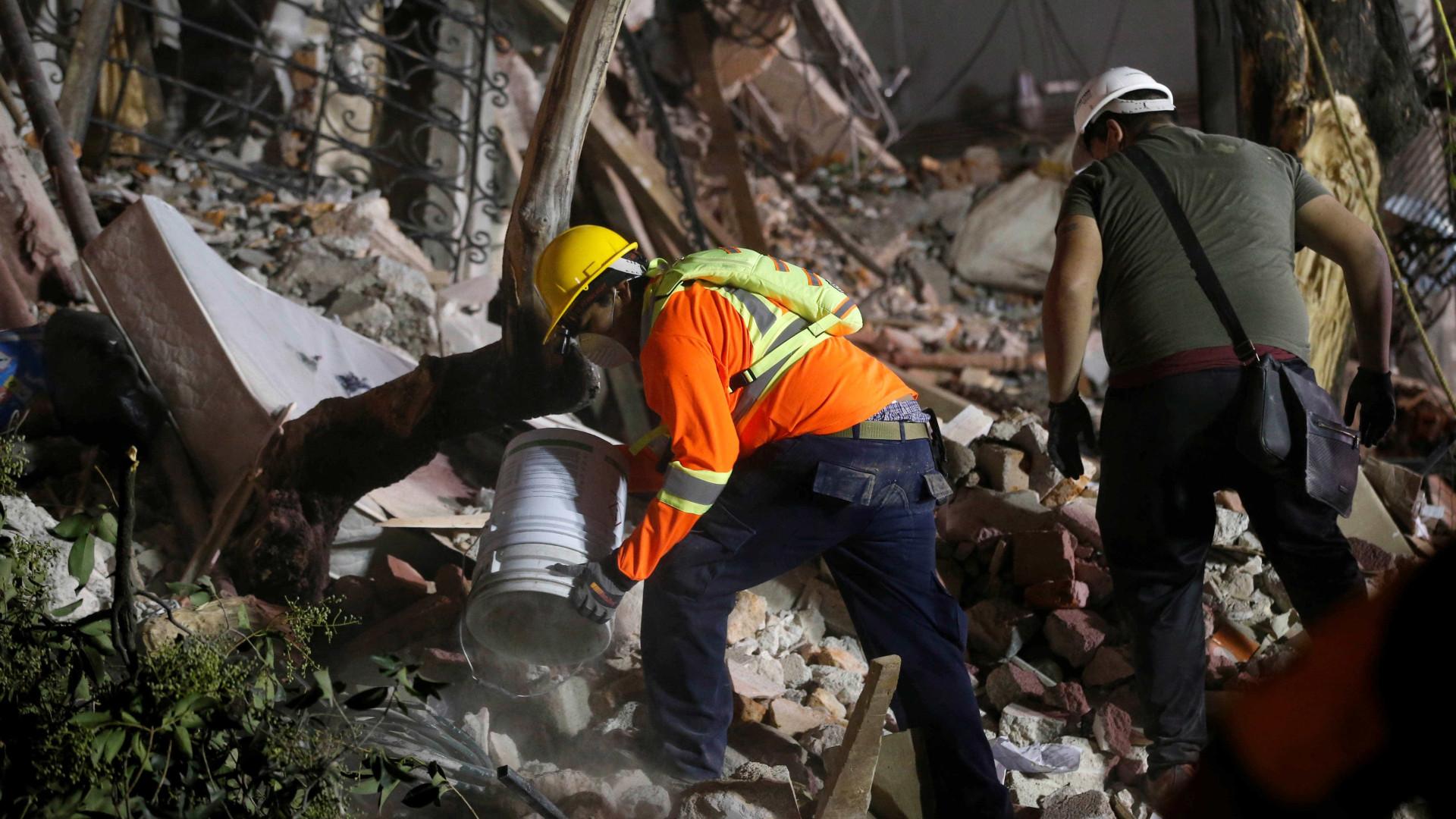 México: Novo balanço do sismo indica 292 mortos e 42 desaparecidos