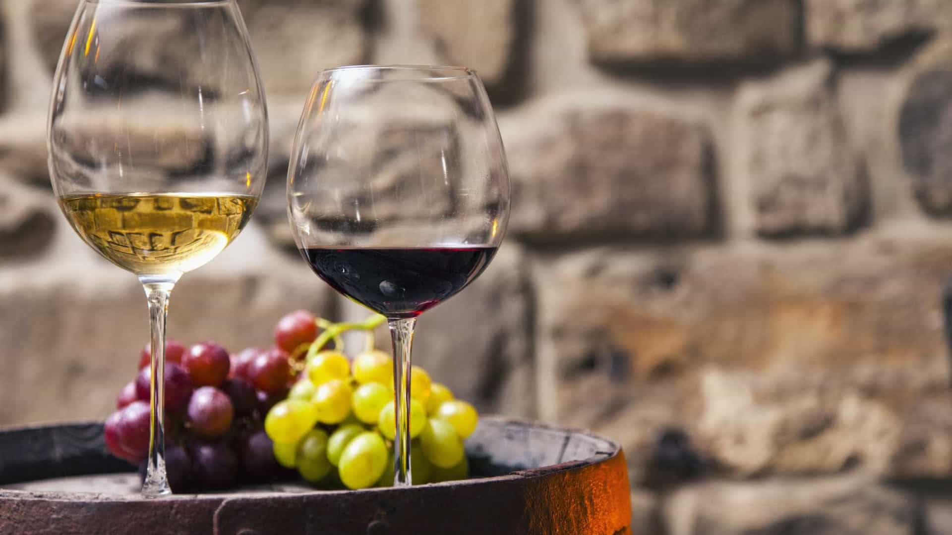 Conheça os vinhos branco e tinto lusos que receberam 'ouro' em concurso