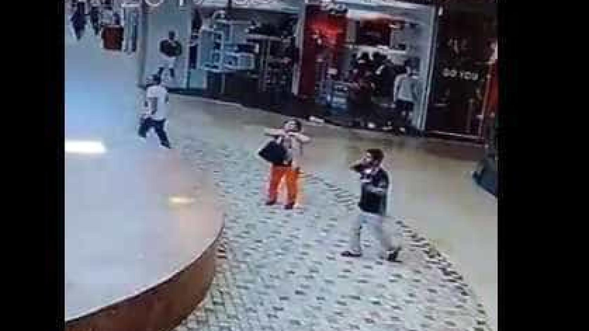 Vídeos mostram momentos de pânico vividos quando a terra tremeu no México