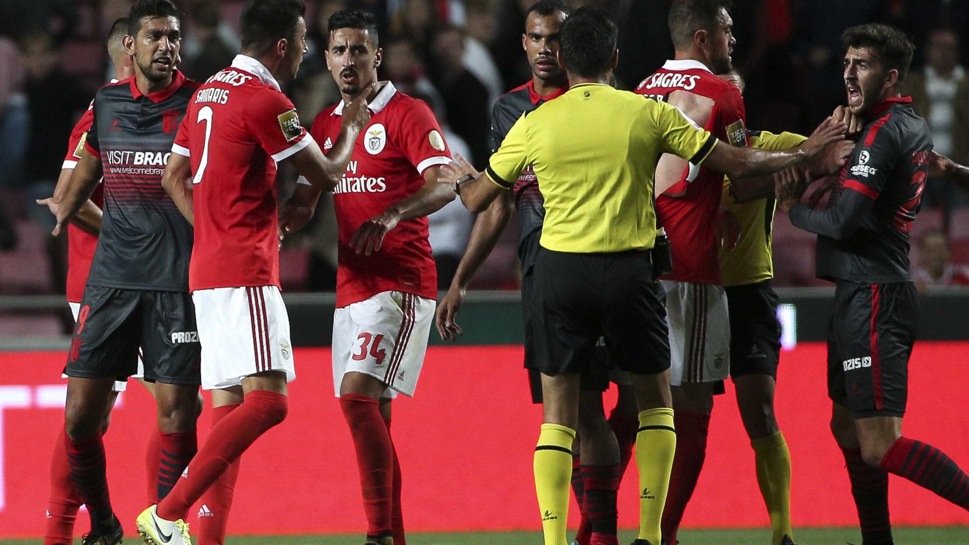 Benfica-Sporting de Braga acaba com momentos de tensão