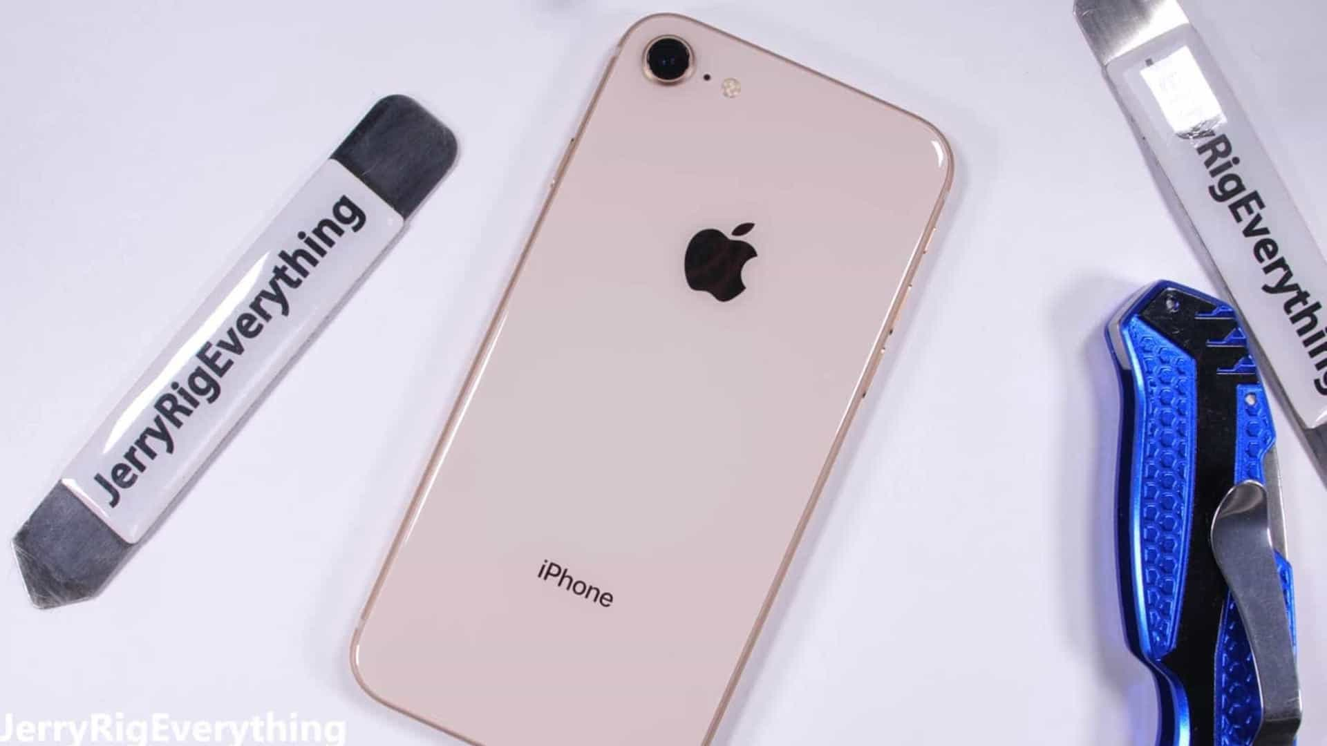 O iPhone 8 já chegou mas será que é resistente? Veja o vídeo