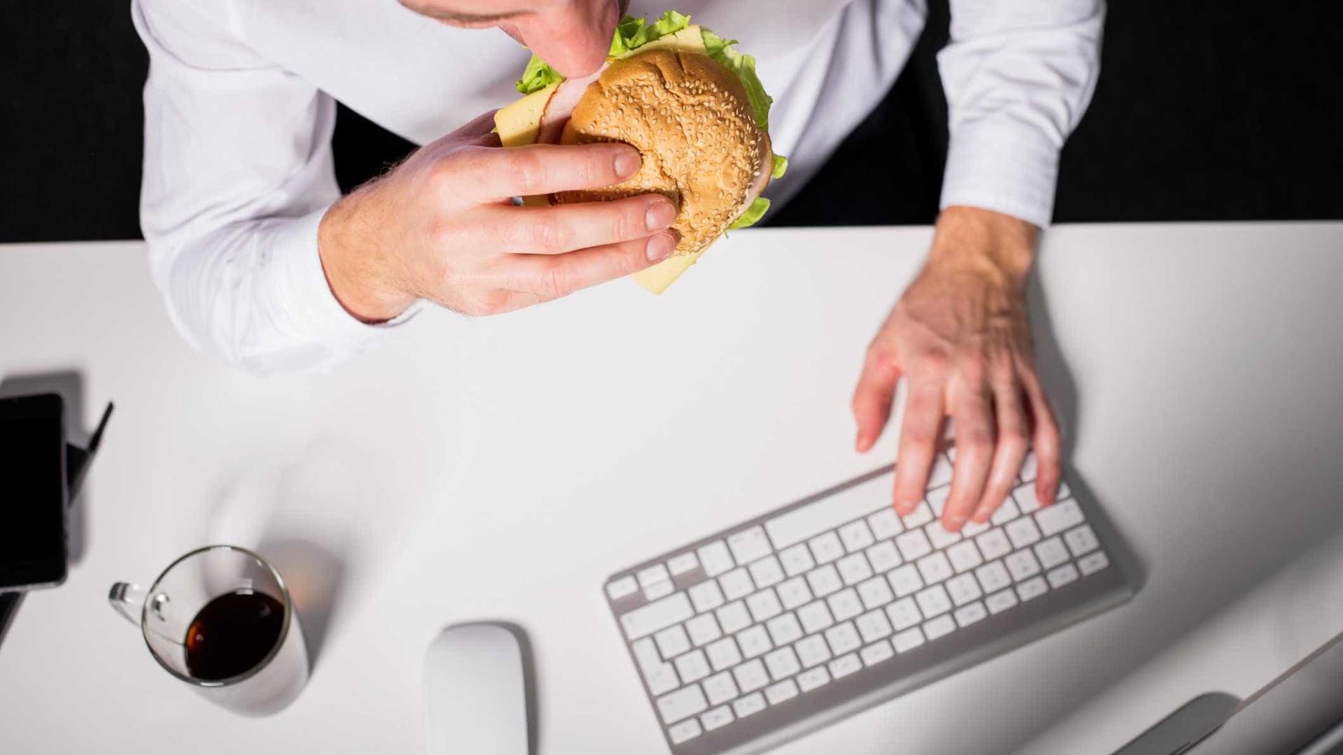 Seis razões para nunca almoçar na secretária