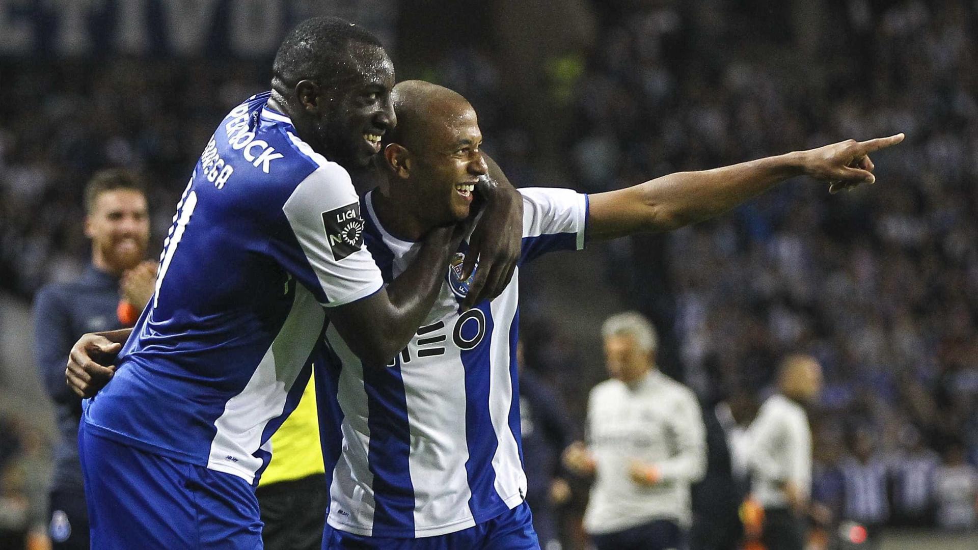 Marega e Brahimi ainda em dúvida para a visita ao Estoril