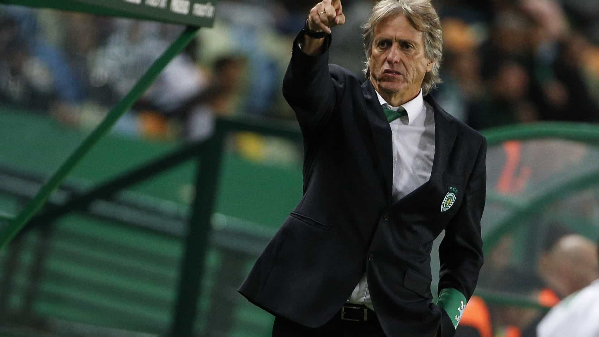 Sporting recebe Aves, tentando 'voar' para a liderança provisória