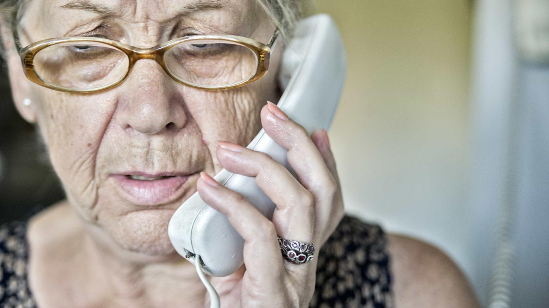 Infarmed quer linhas diretas para esclarecer doentes de Parkinson