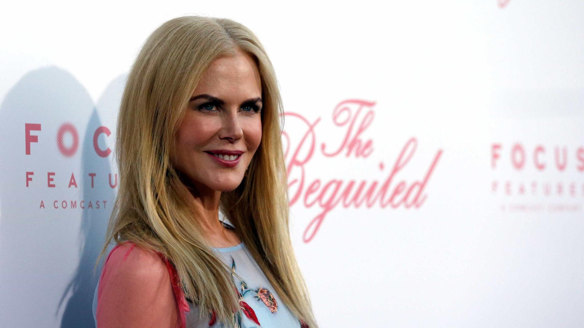 Nicole Kidman comenta o beijo que deu a Alexander Skarsgard nos Emmy