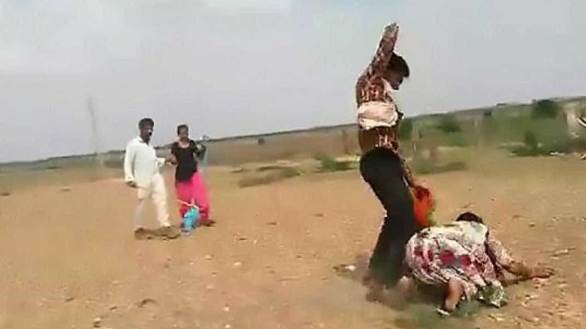 Menor levada à força para casar enquanto mãe é agredida ao tentar impedir
