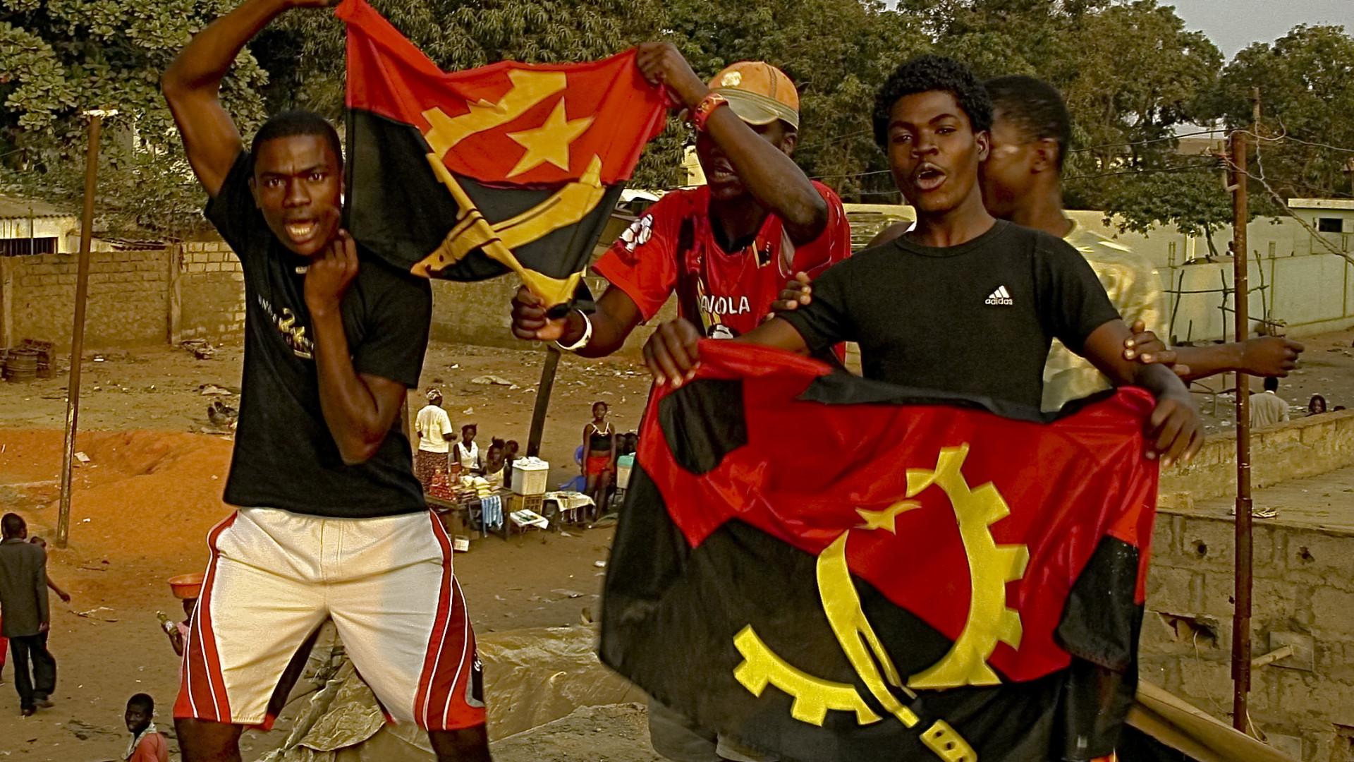 Angolanos cruzam todos os dias a fronteira para estudar na Namíbia