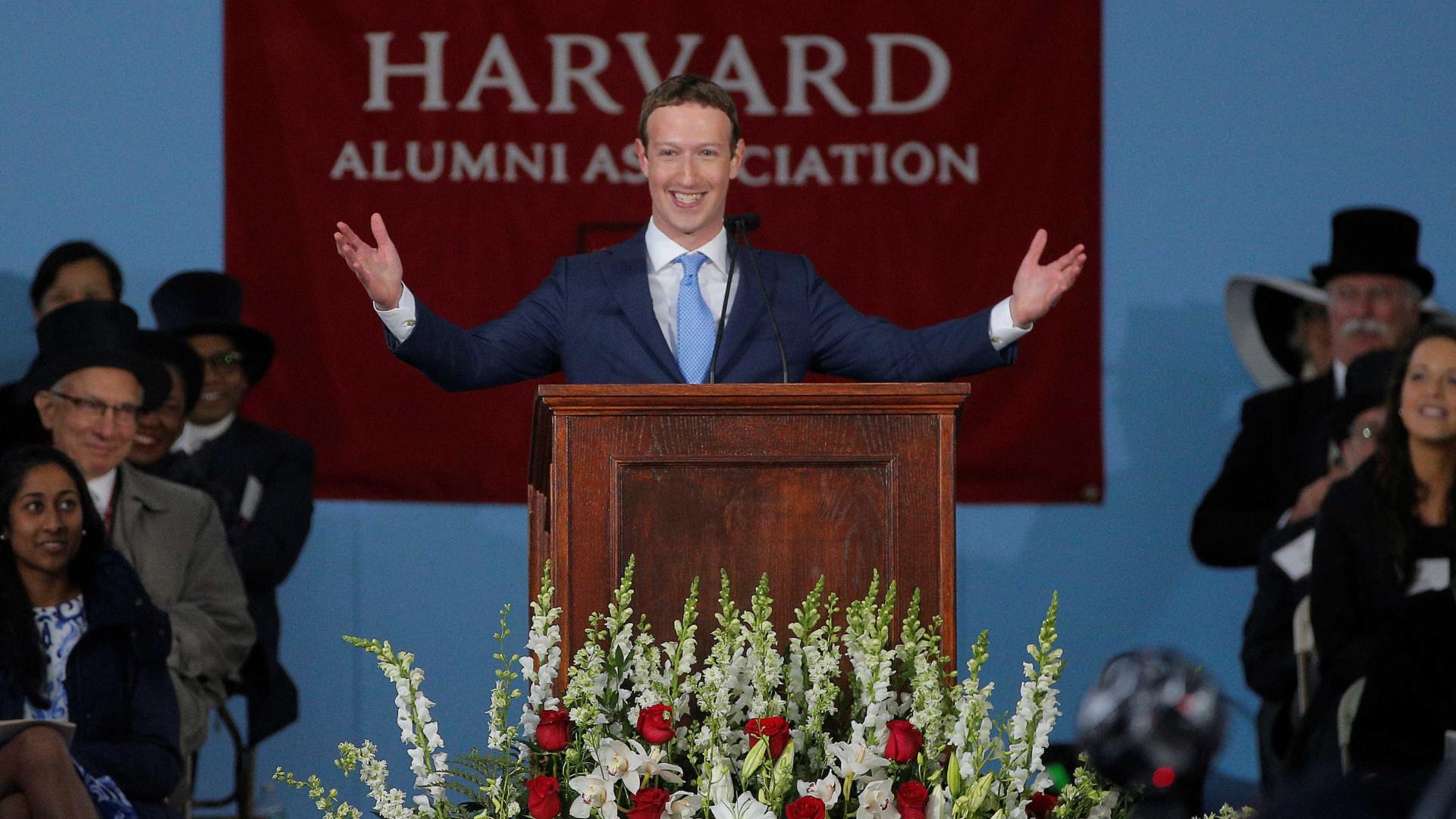 Zuckerberg arrepende-se de não ter levado a sério influência do Facebook