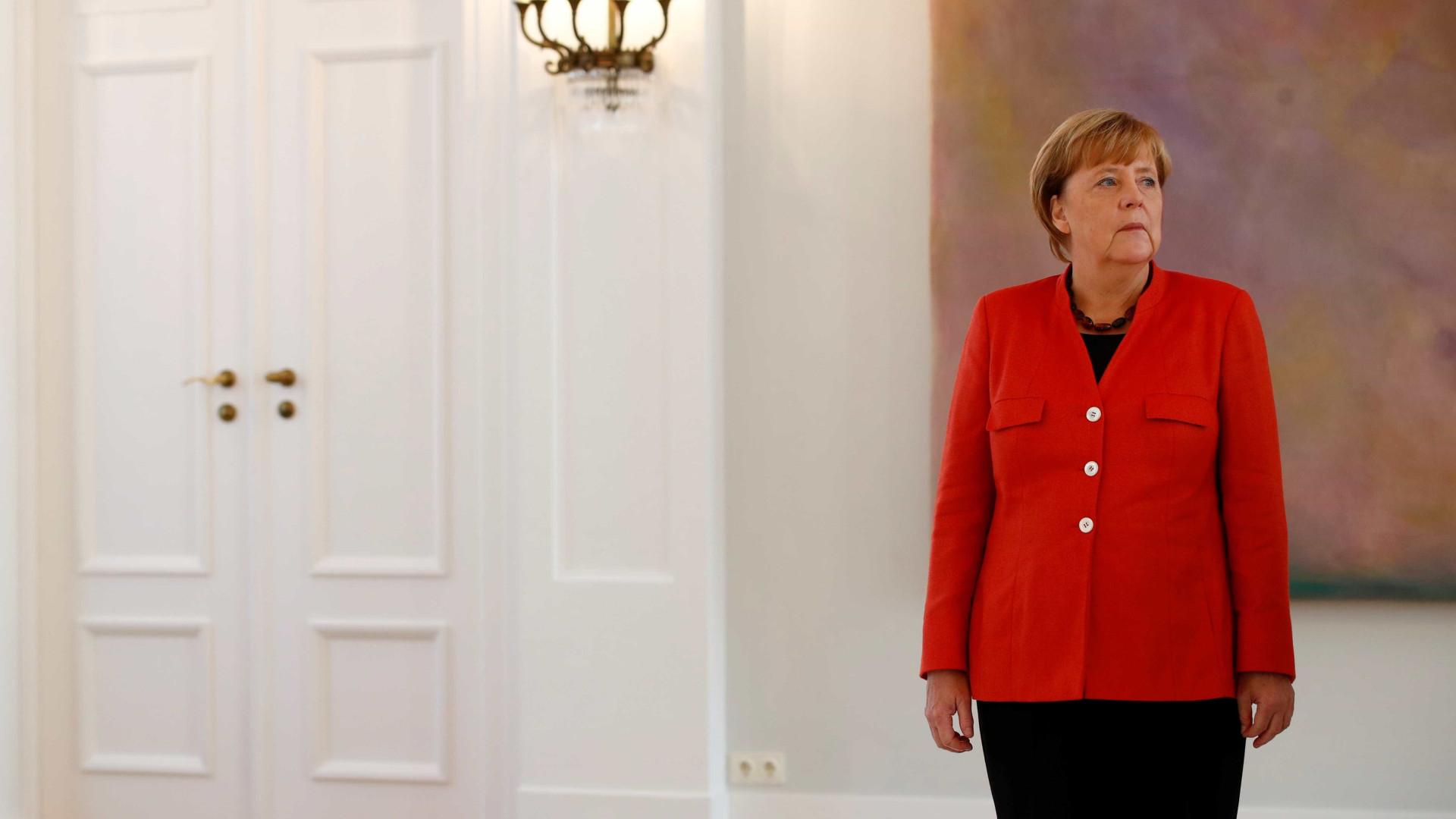 Angela Merkel lamenta fracasso de negociações para formar governo