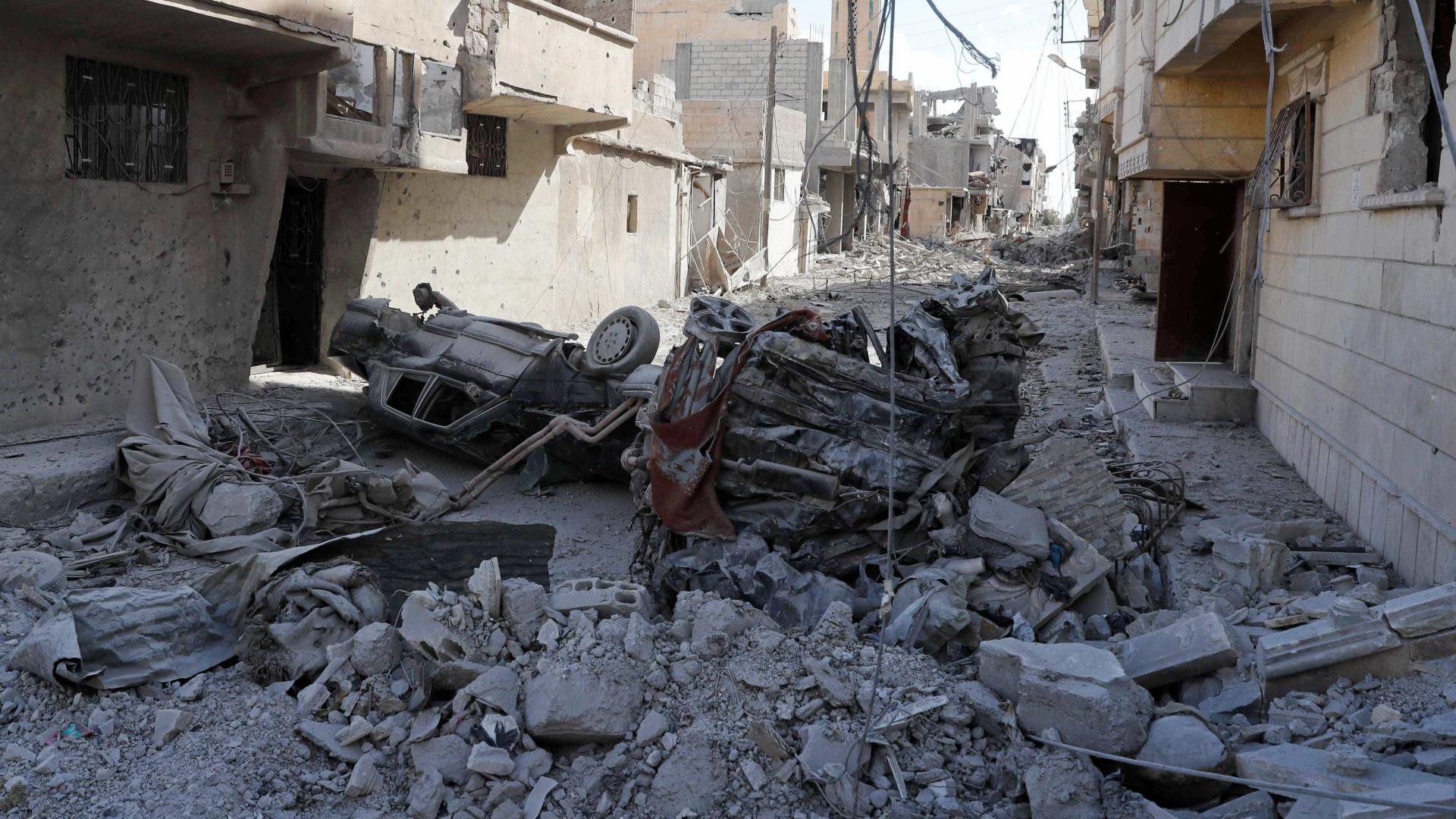 Pelo menos 18 mortos em explosão de carro bomba na Síria