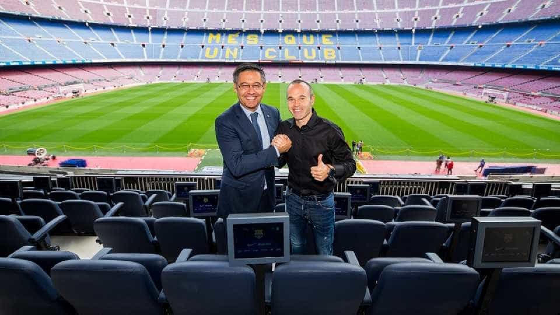Iniesta vai jogar no Barcelona