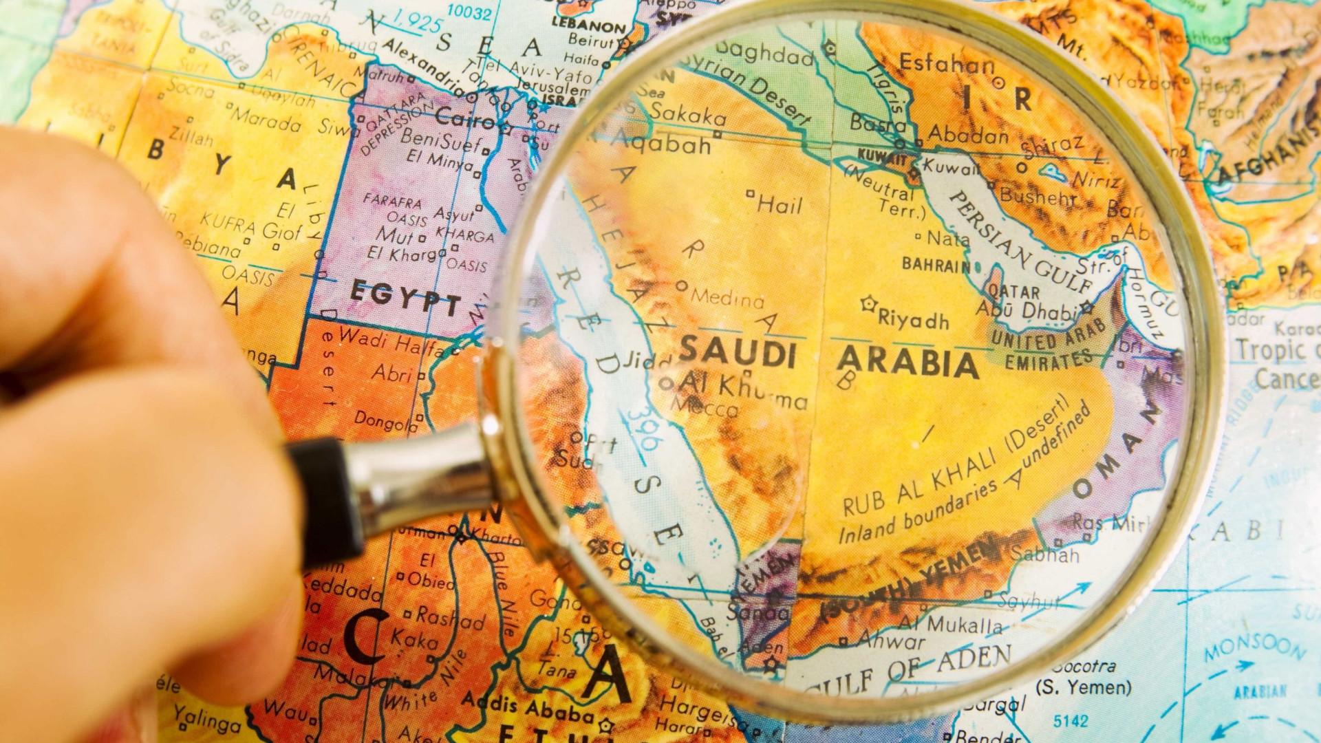 """Arábia Saudita diz que decisão de Trump é """"injustificada e irresponsável"""""""