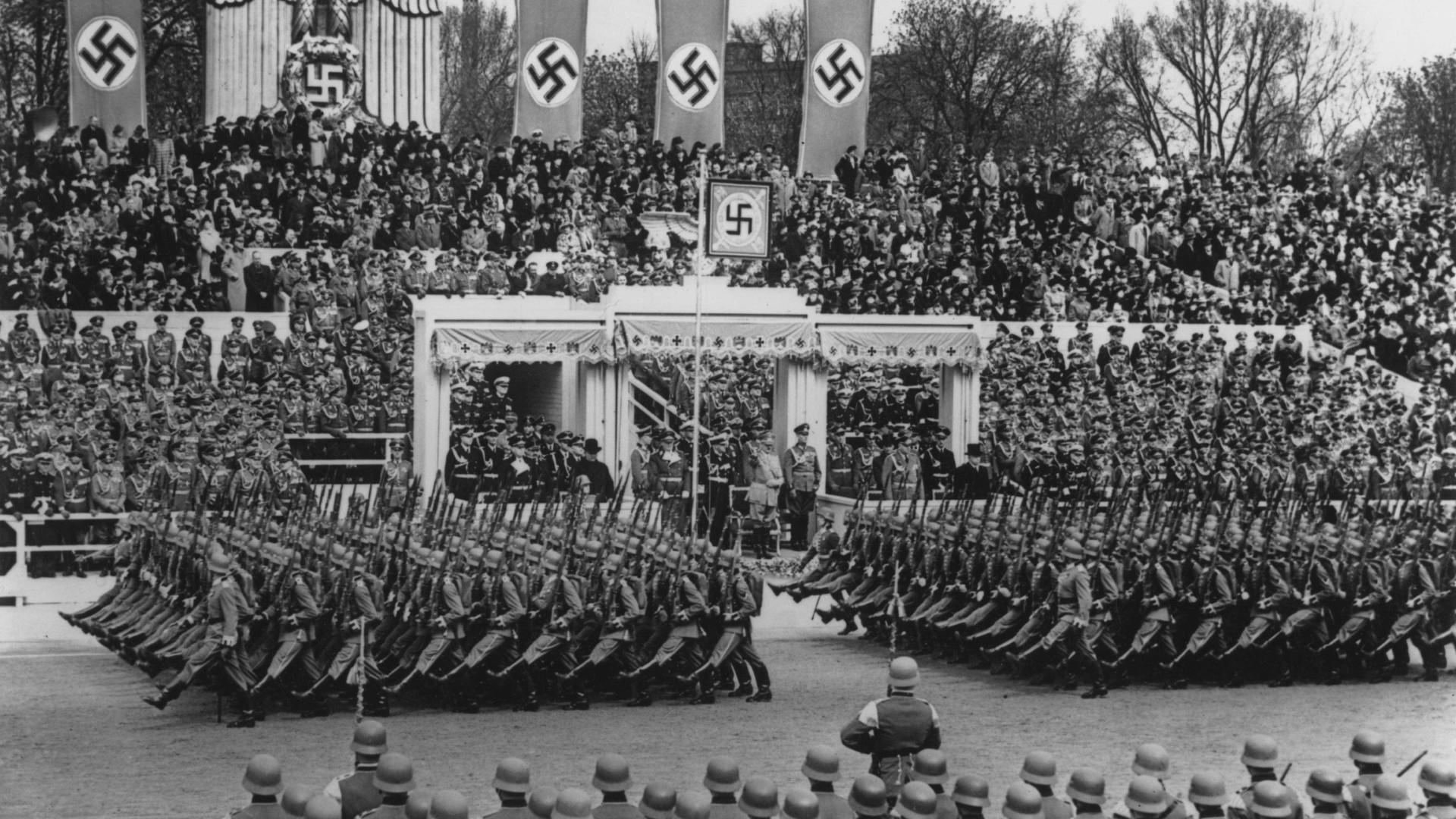"""O nazismo também chegou aos EUA. Imagens descobertas são uma """"granada"""""""