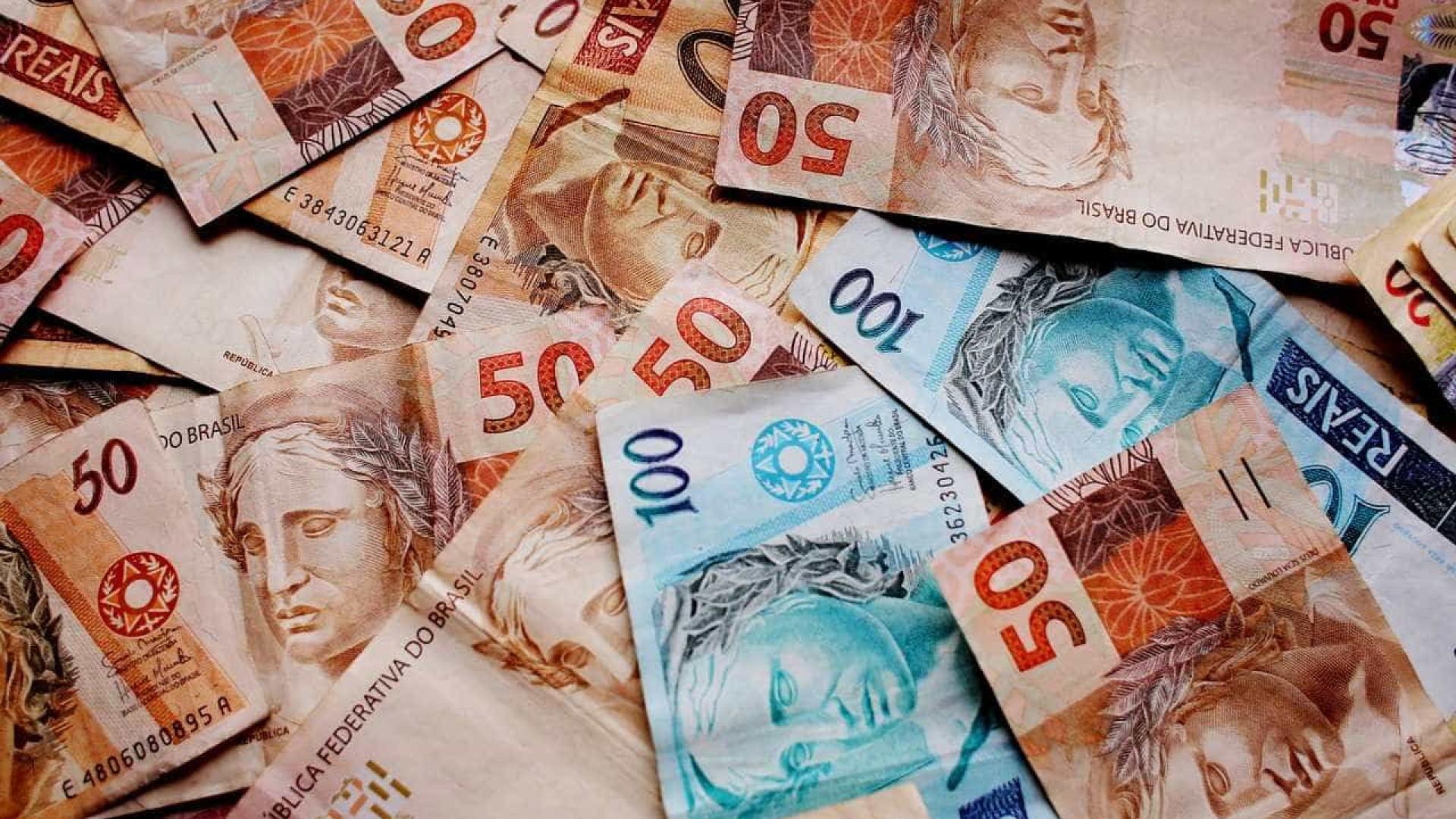 Viúva condenada a dividir prémio da lotaria com a amante do marido