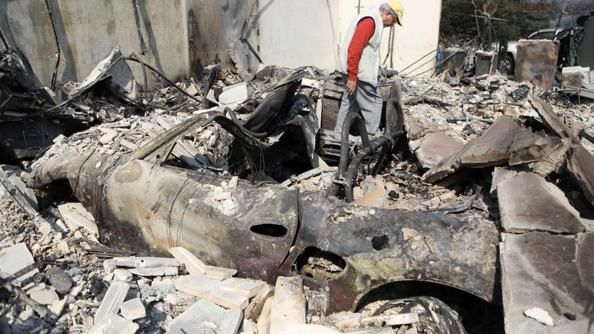 Incêndios na Califórnia deixam 35 mortos e 100 mil desalojados
