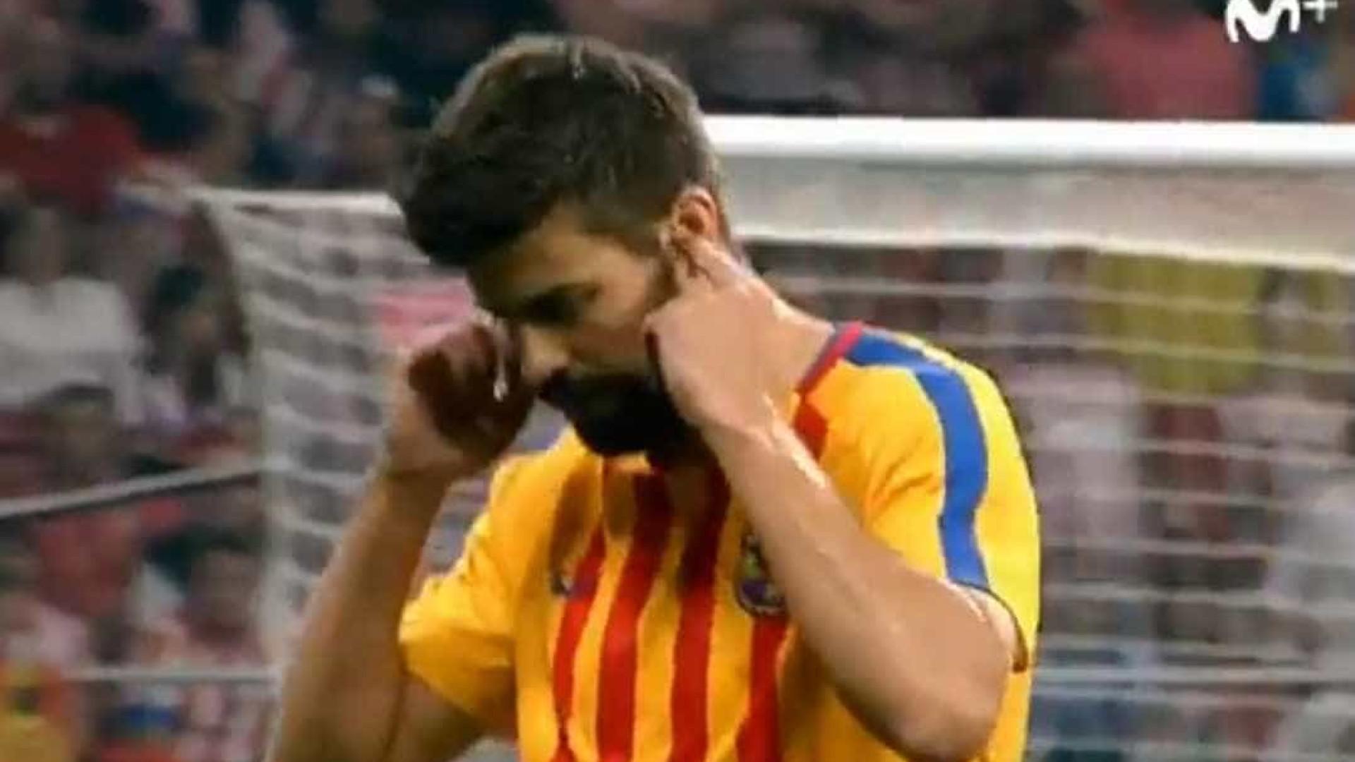 Este gesto de Piqué fez os espanhóis compará-lo a Figo