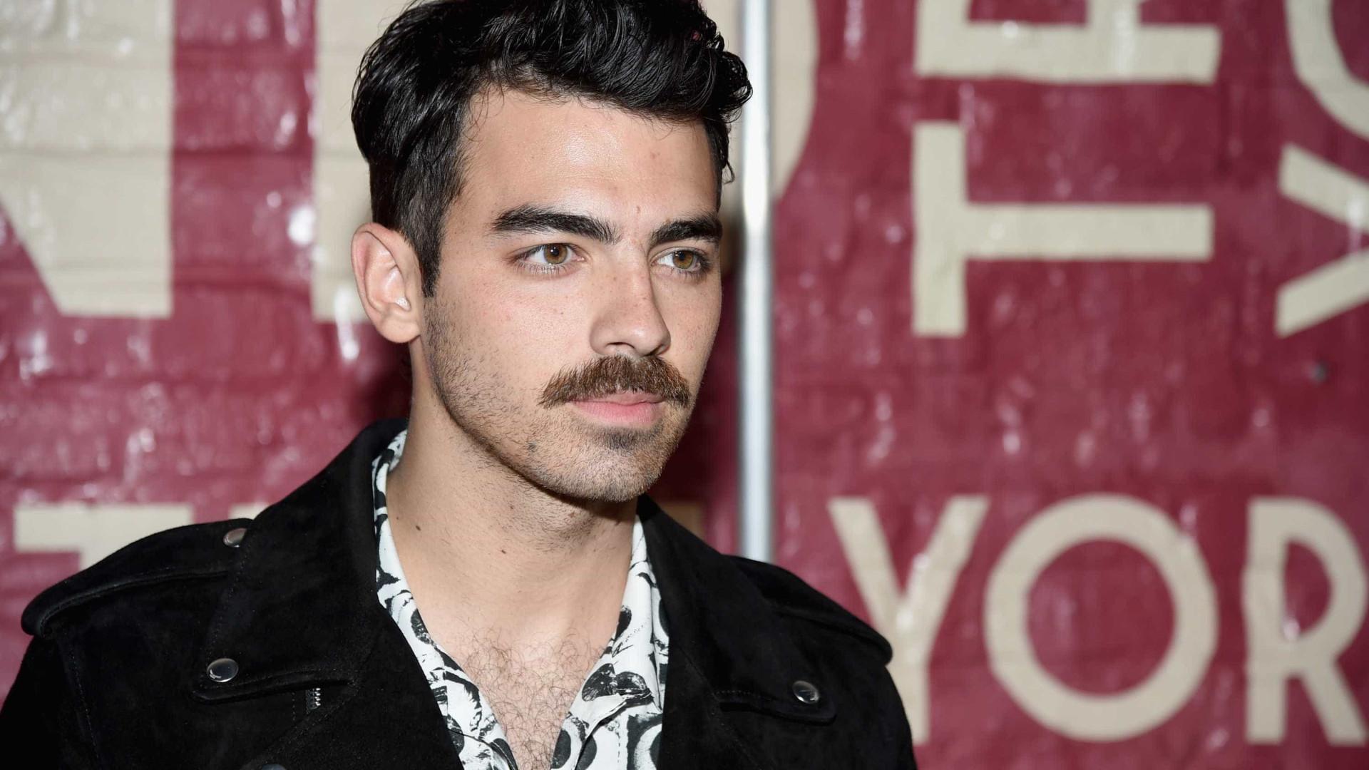 Cantor Joe Jonas pede atriz de 'Game of Thrones' em casamento