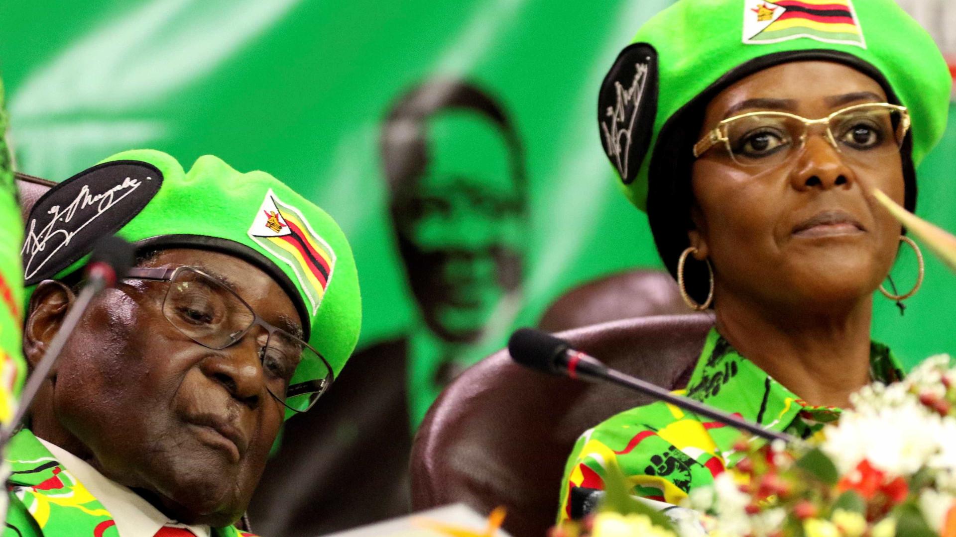 Mulher de Mugabe na justiça devido a anel de 1,35 milhões de dólares