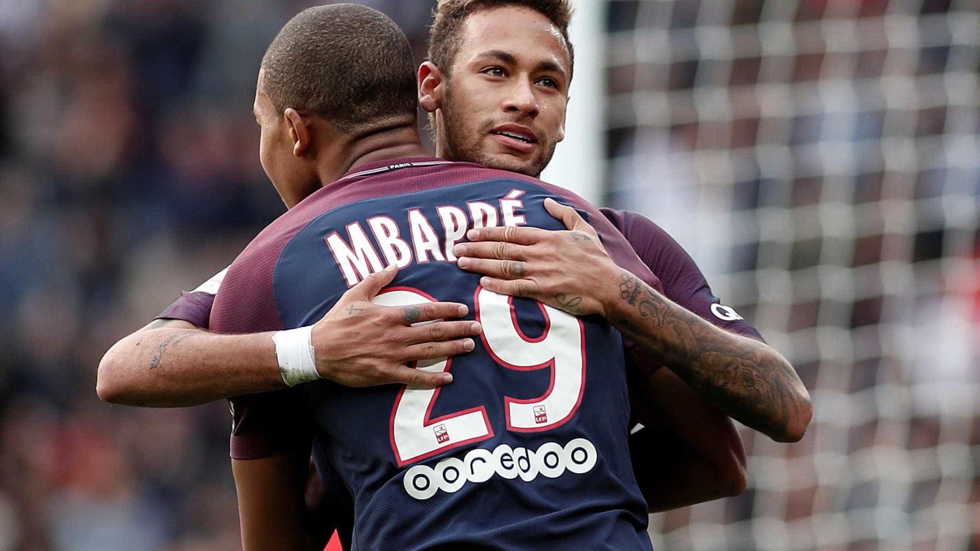 Neymar envia mensagem a Rakitic e Mbappé antes da final