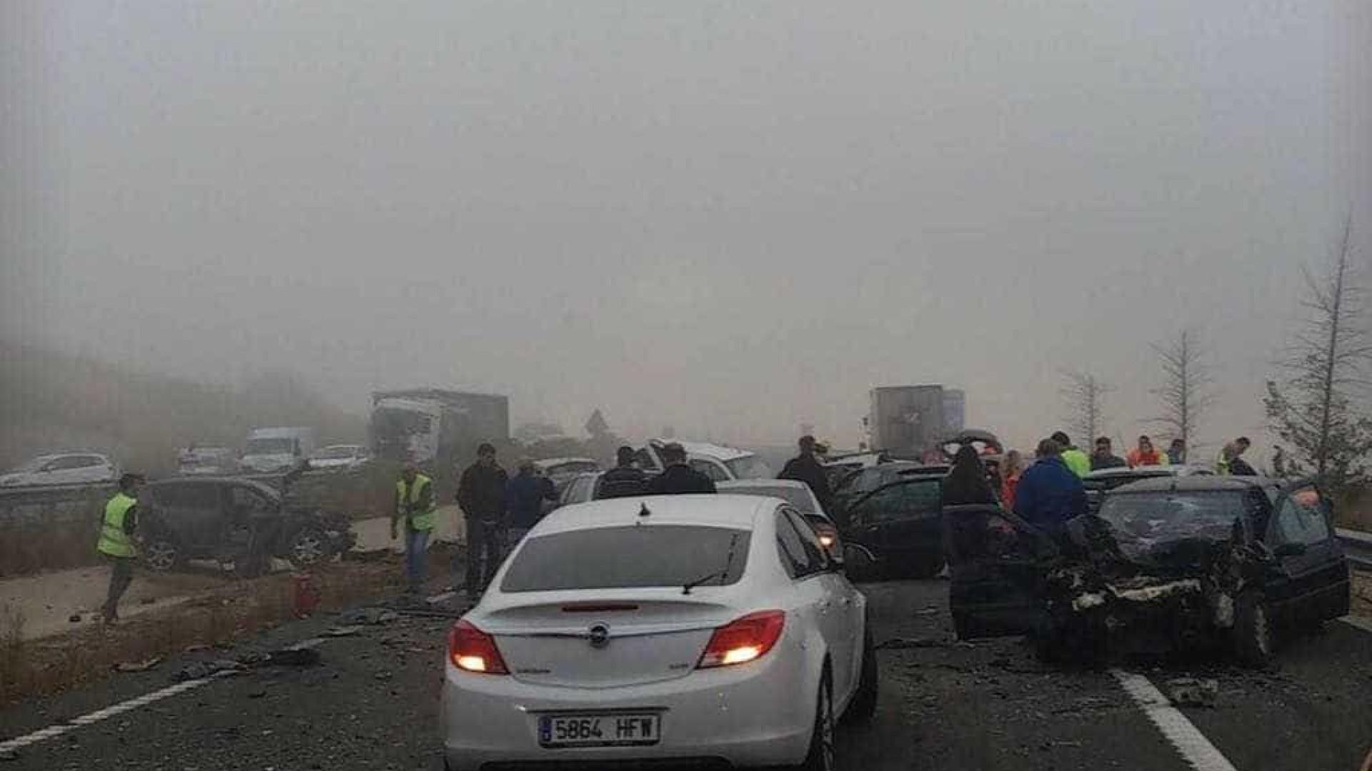 Choque em cadeia com 45 carros faz um morto. Vítima residia em Portugal