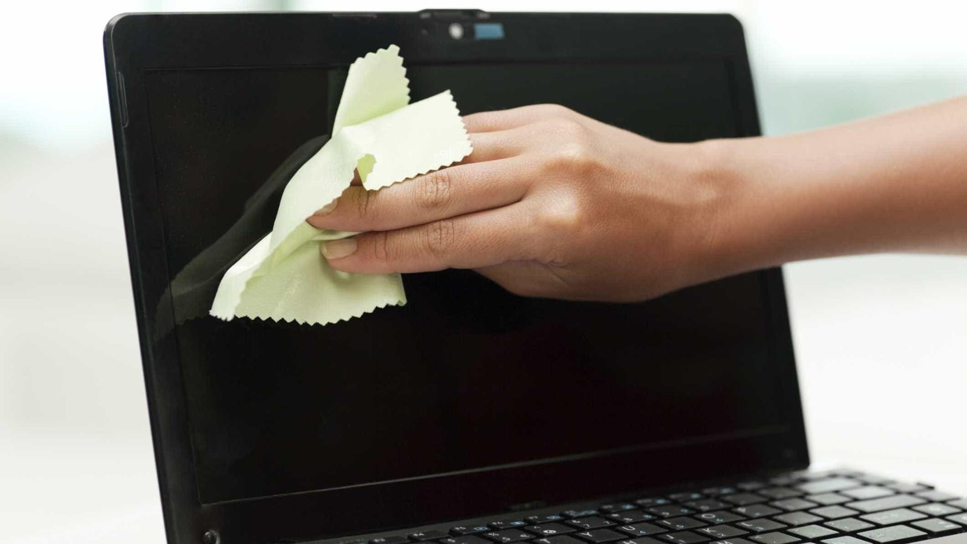 Ecrã do computador sujo? Eis como limpar da melhor forma
