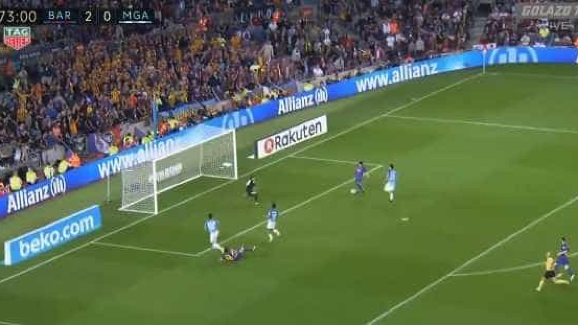 Suárez nem queria acreditar no golo que acabara de desperdiçar