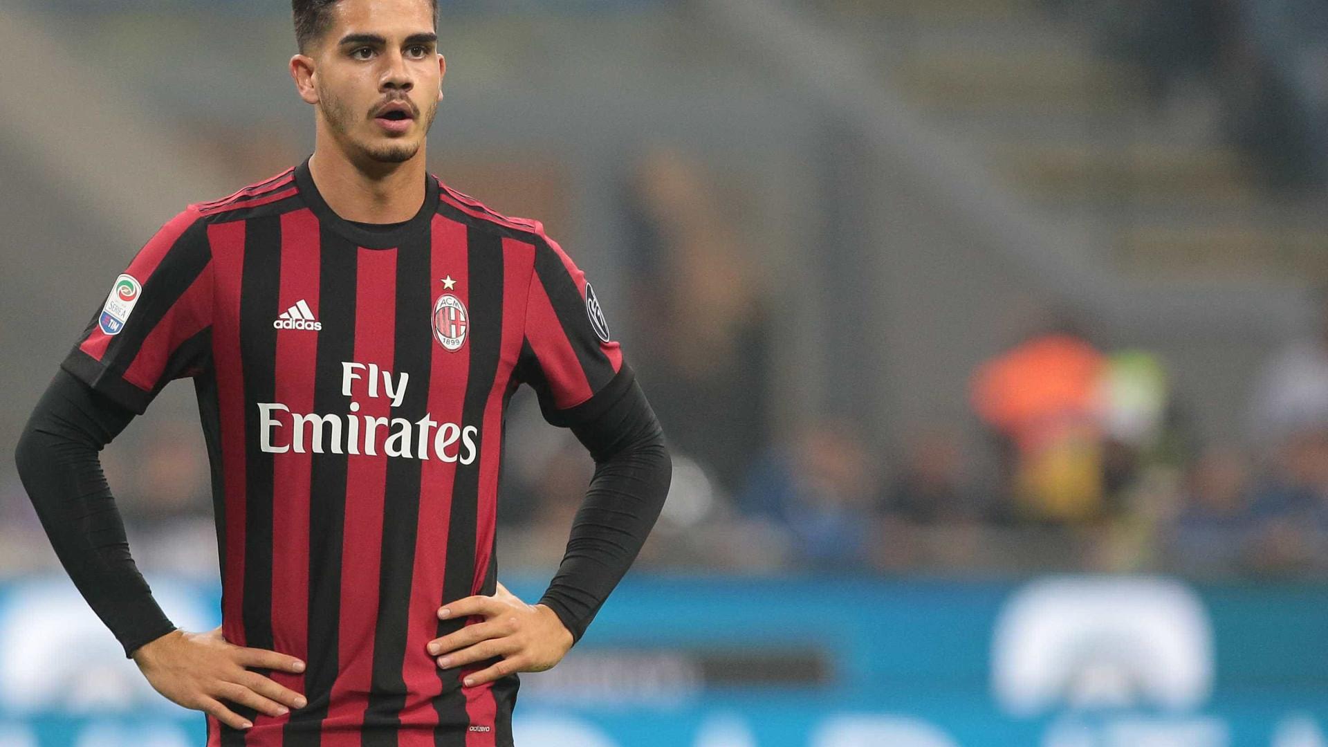 AC Milan coloca André Silva no mercado