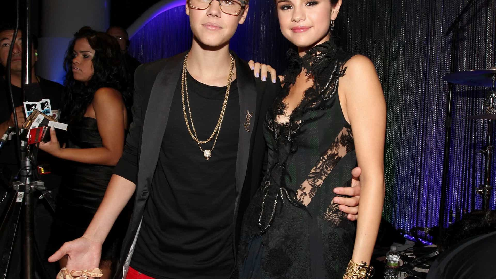 Justin Bieber está a ser um 'namorado de sonho' para Selena Gomez