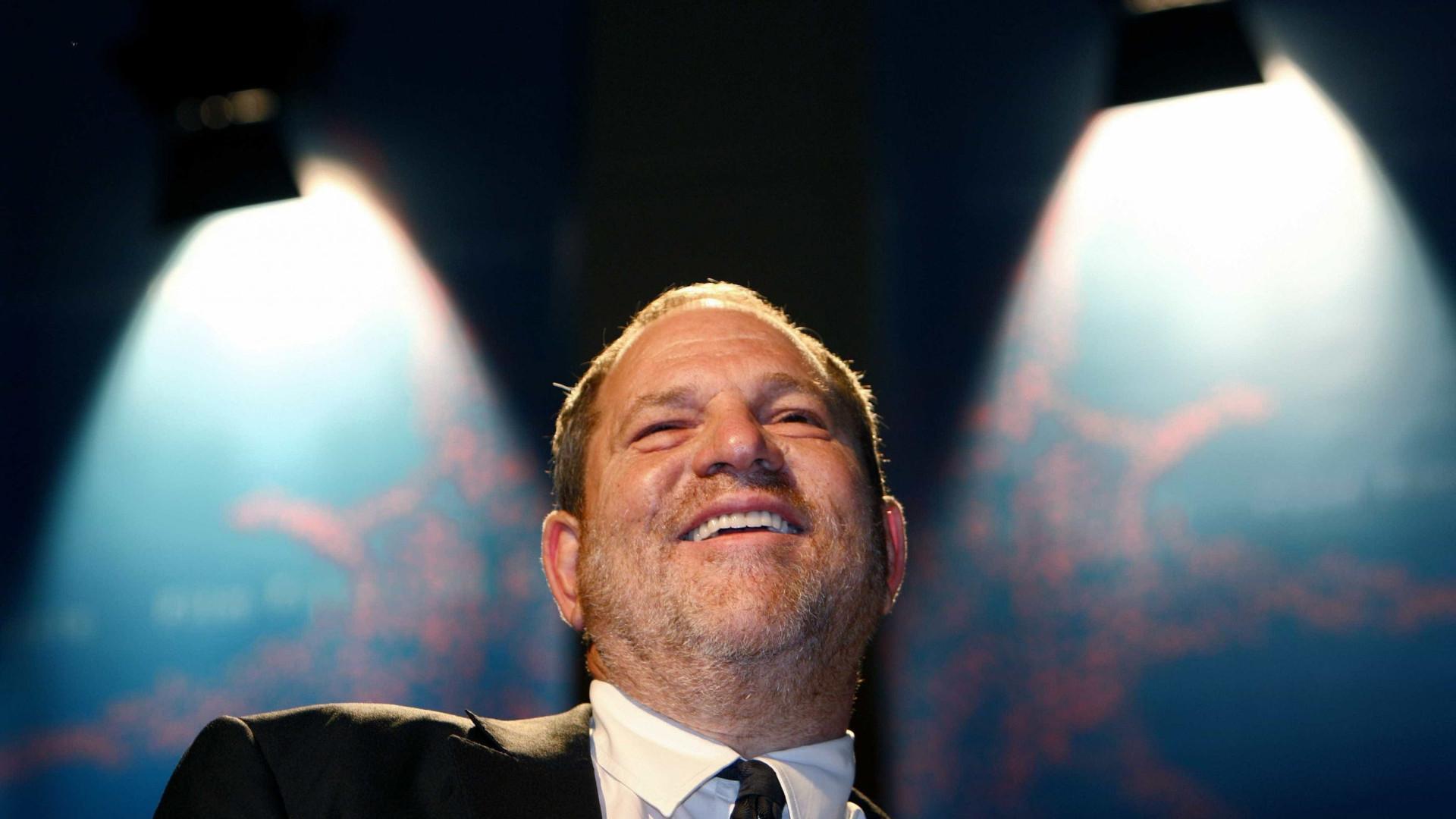 Vídeo mostra Harvey Weinstein a assediar mulher horas antes de violação