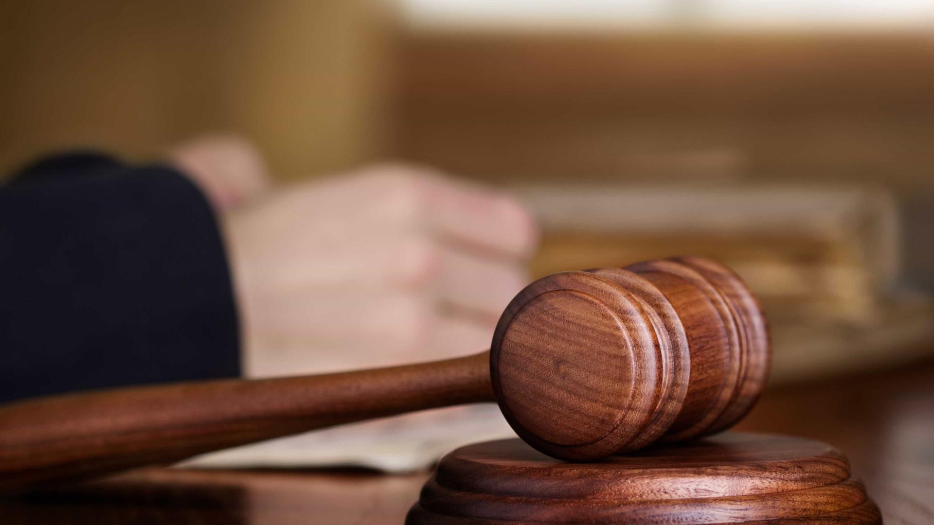 Tribunal lê hoje decisão em processo de corrupção com cartas de condução