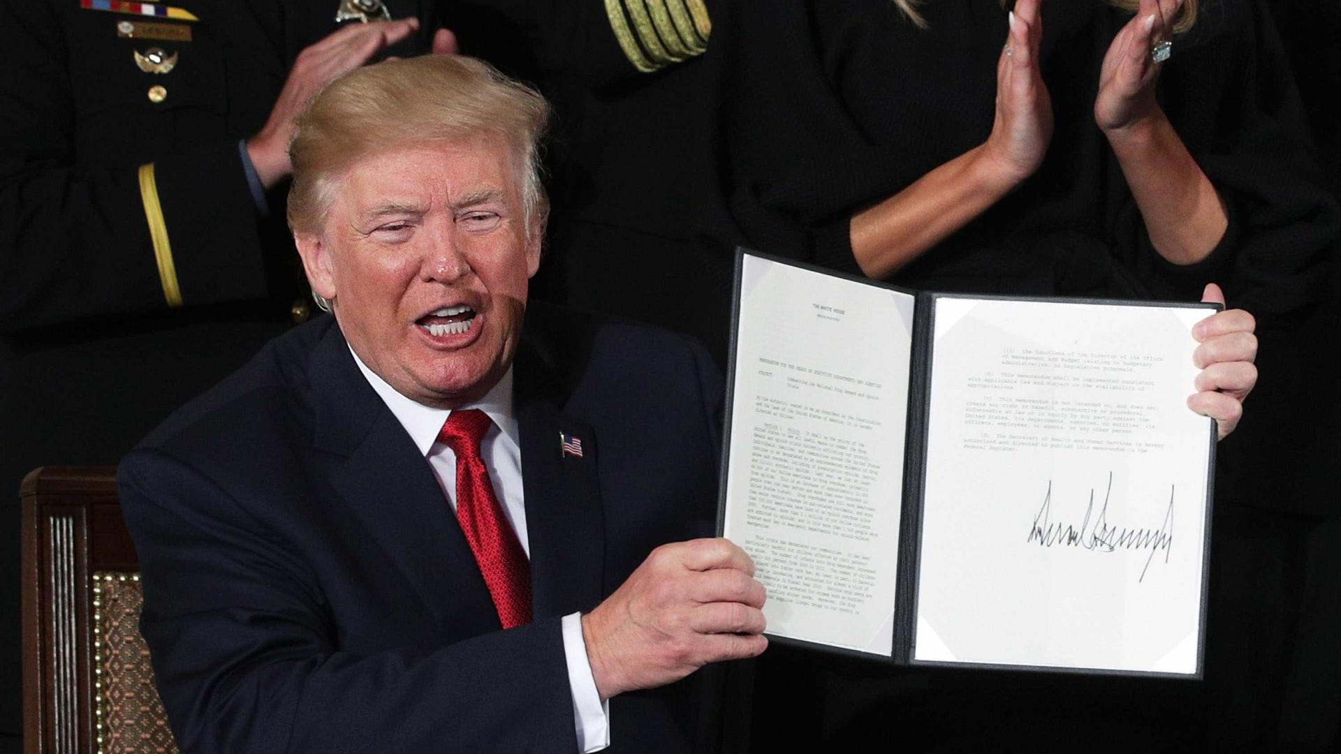 Trump declara crise dos opiáceos 'emergência de saúde pública'