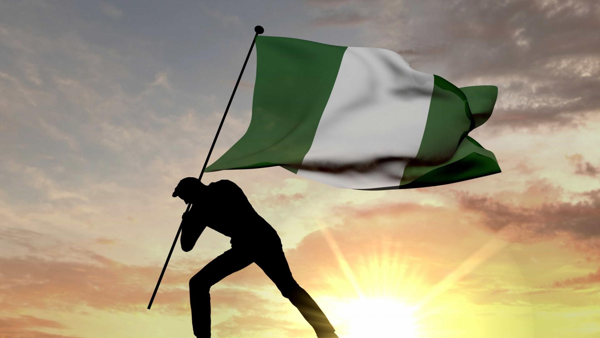 Acidente com autocarro escolar mata 22 pessoas na Nigéria