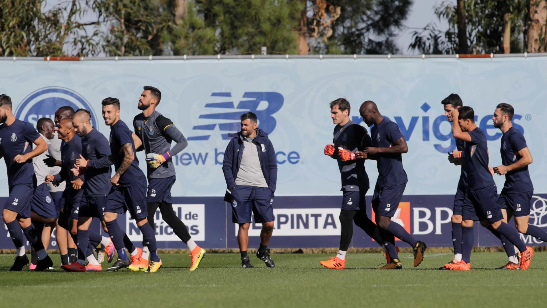 Otávio, Galeno e Dalot falham treino do FC Porto