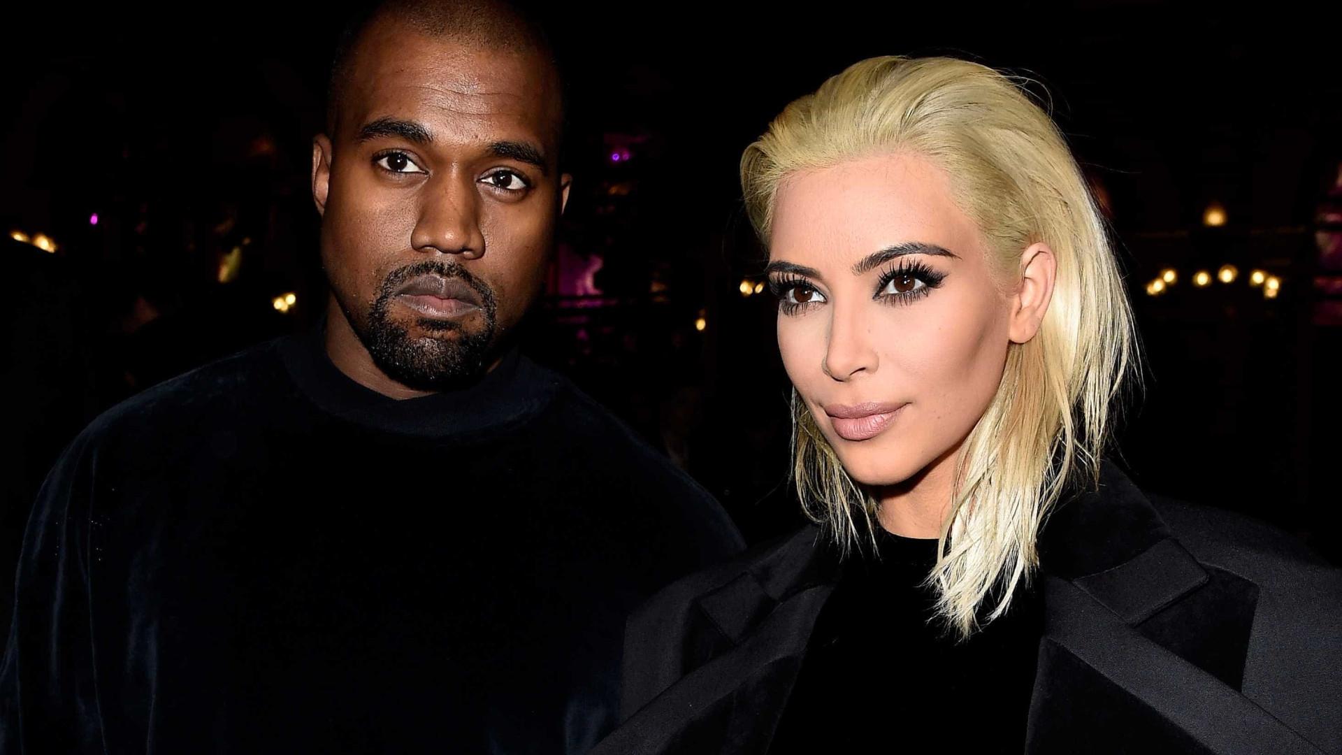 """Site diz Kim e Kanye fazem """"poucas visitas"""" à barriga de aluguer"""