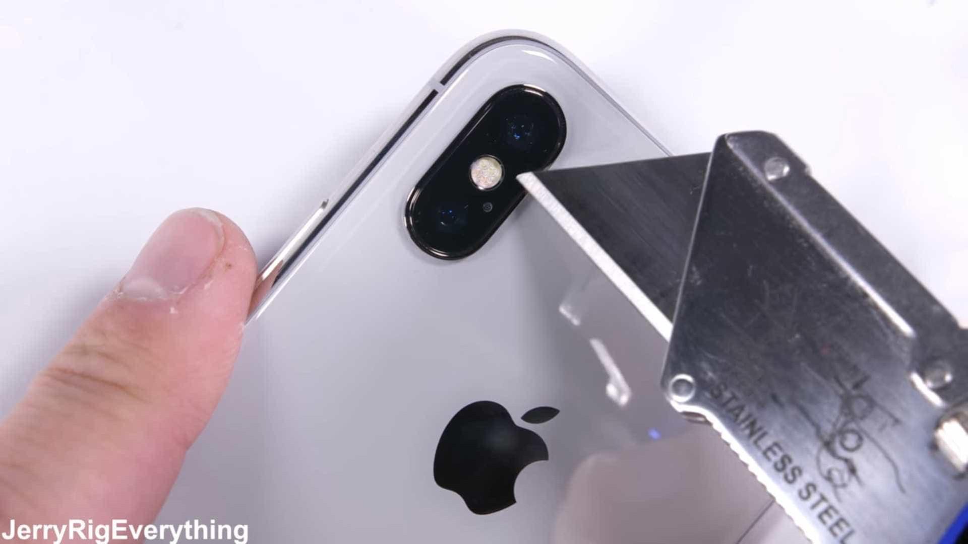 Queres um Apple iPhone X Plus? Talvez para o próximo ano!