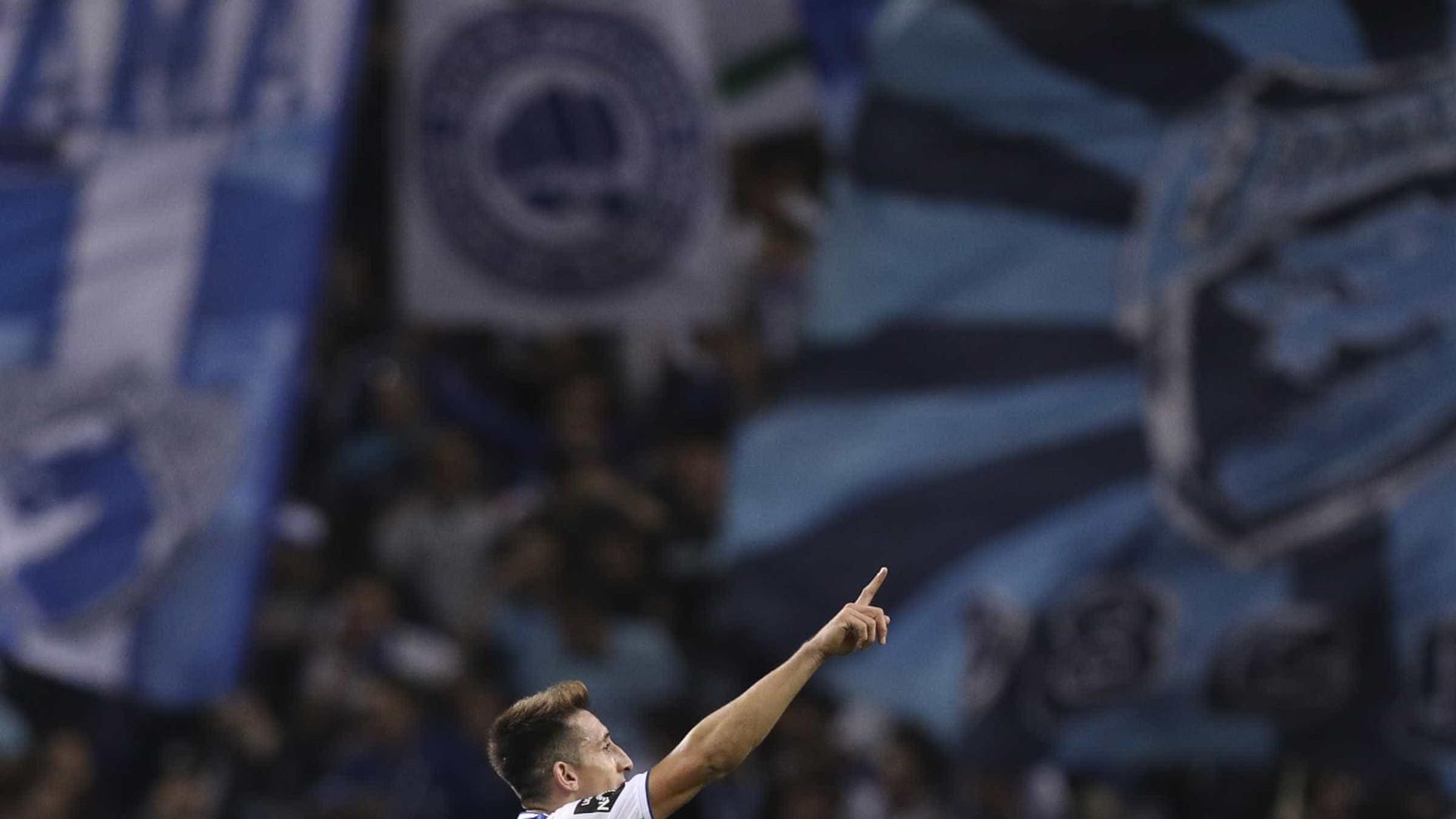 FC Porto 'guarda' Herrera para a Champions