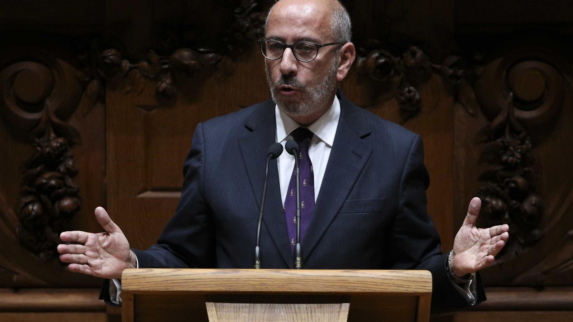 """CDS-PP acusa Governo de """"lidar mal"""" com estruturas de soberania"""