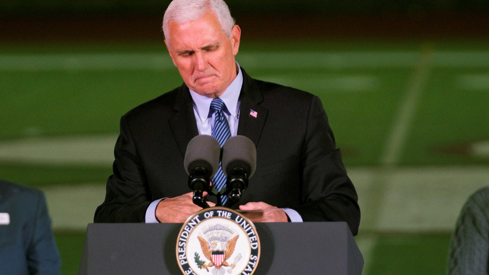 Mike Pence dos EUA mantém intenção de se encontrar com líder palestino