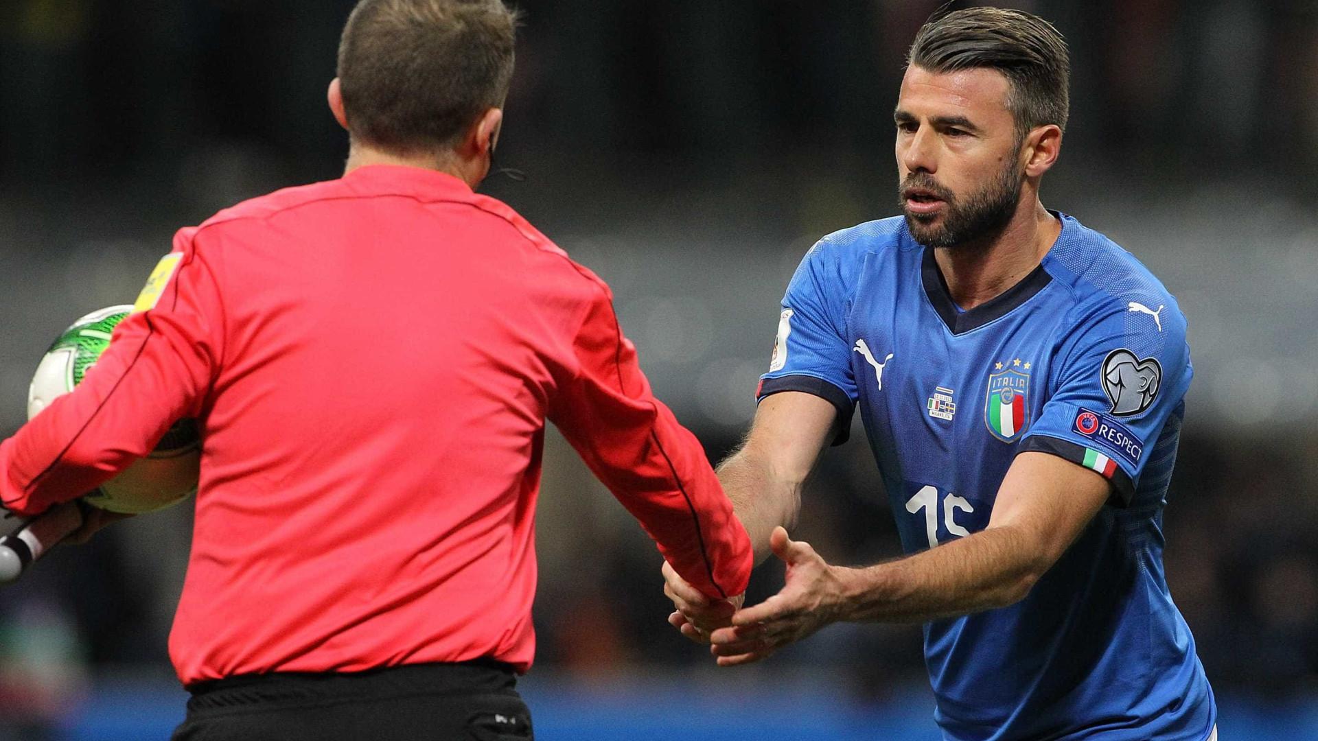 """Barzagli diz adeus à seleção: """"É a maior deceção da minha vida"""""""