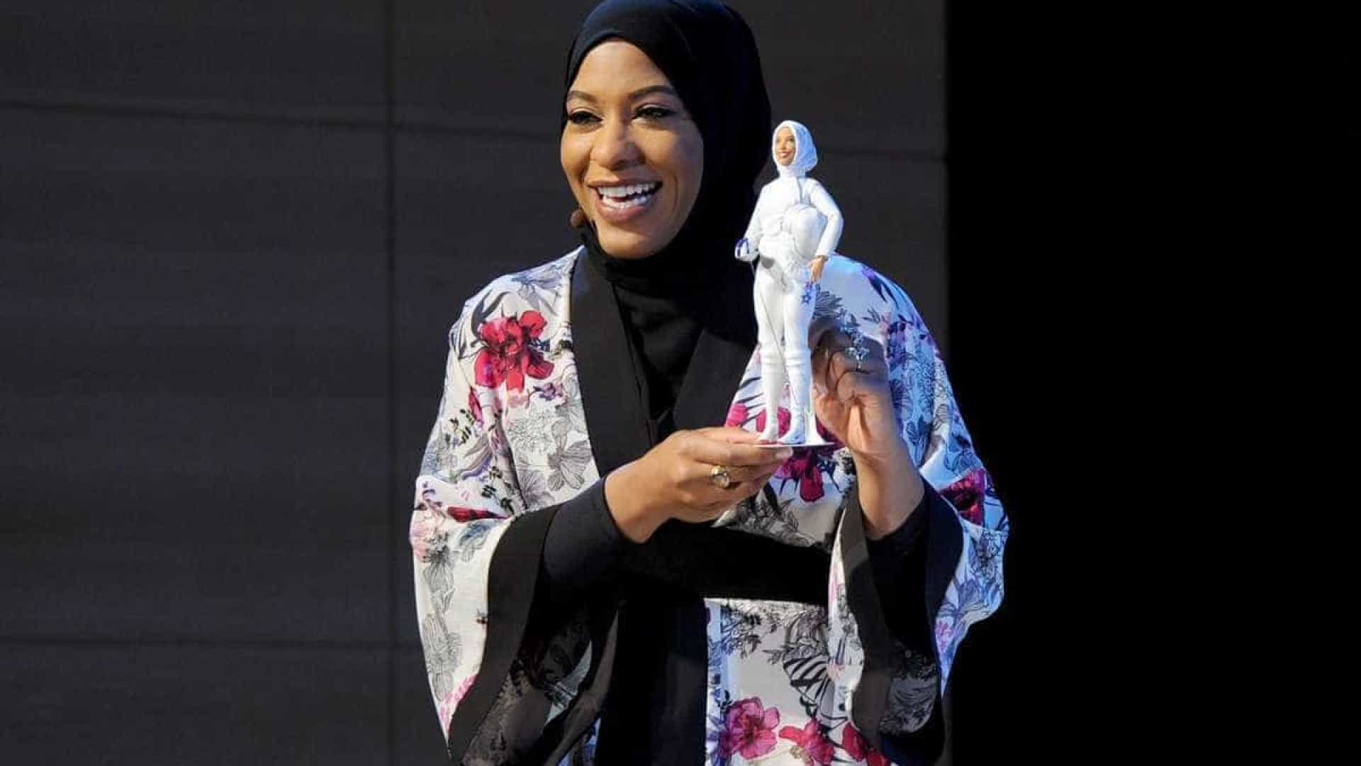 Barbie lança a sua primeira boneca com hijab
