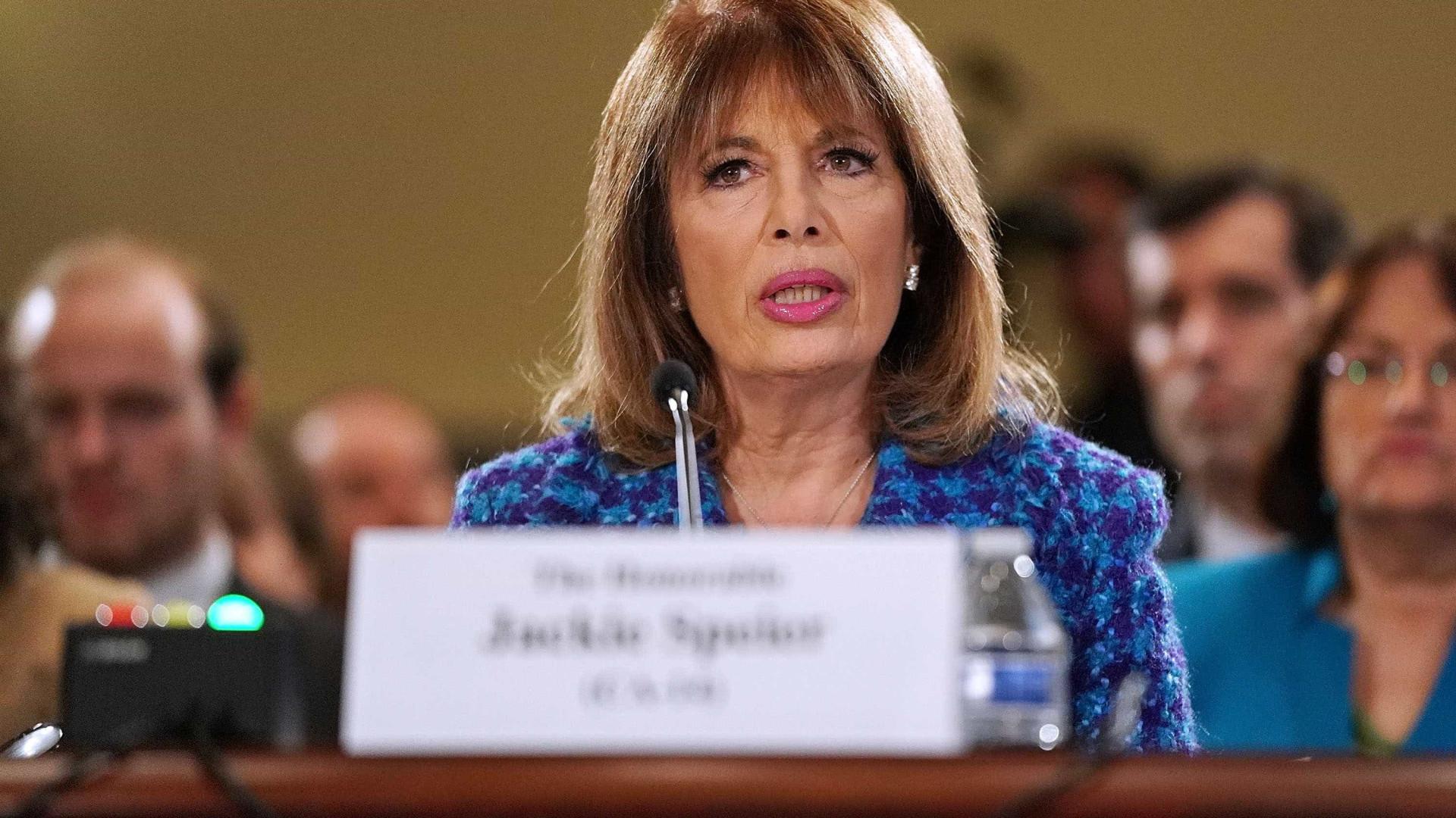 Escândalo do assédio sexual chega ao Congresso