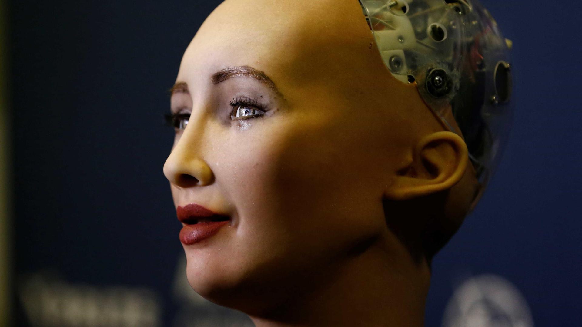 Não, a robot Sophia não foi decapitada pela Arábia Saudita