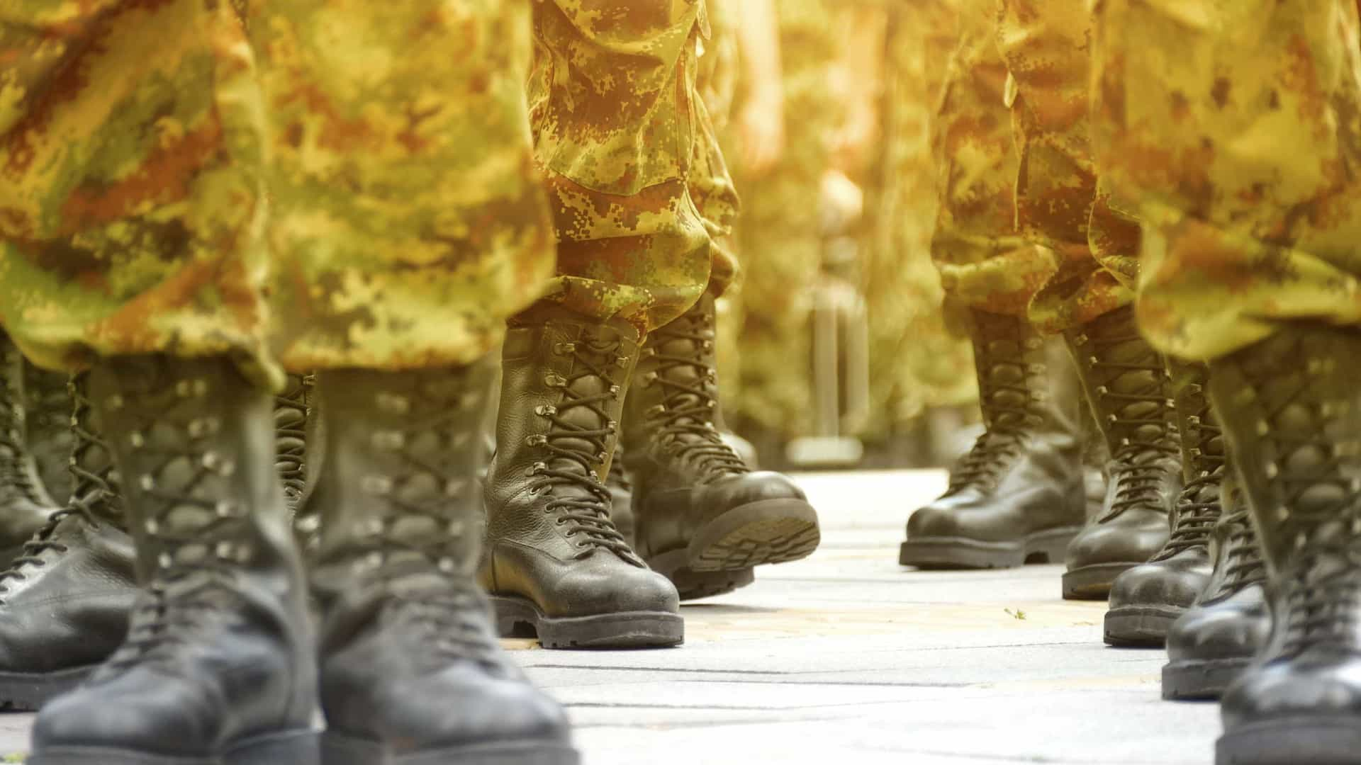 Associação de Veteranos apoia exército e pede afastamento de Mugabe