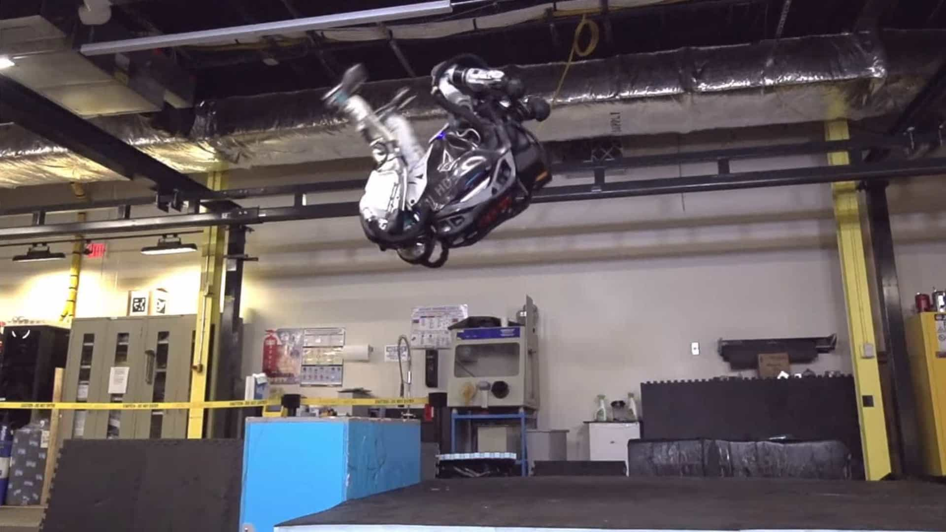 Agora já viu tudo. Robot da Boston Dynamics é capaz de dar mortais